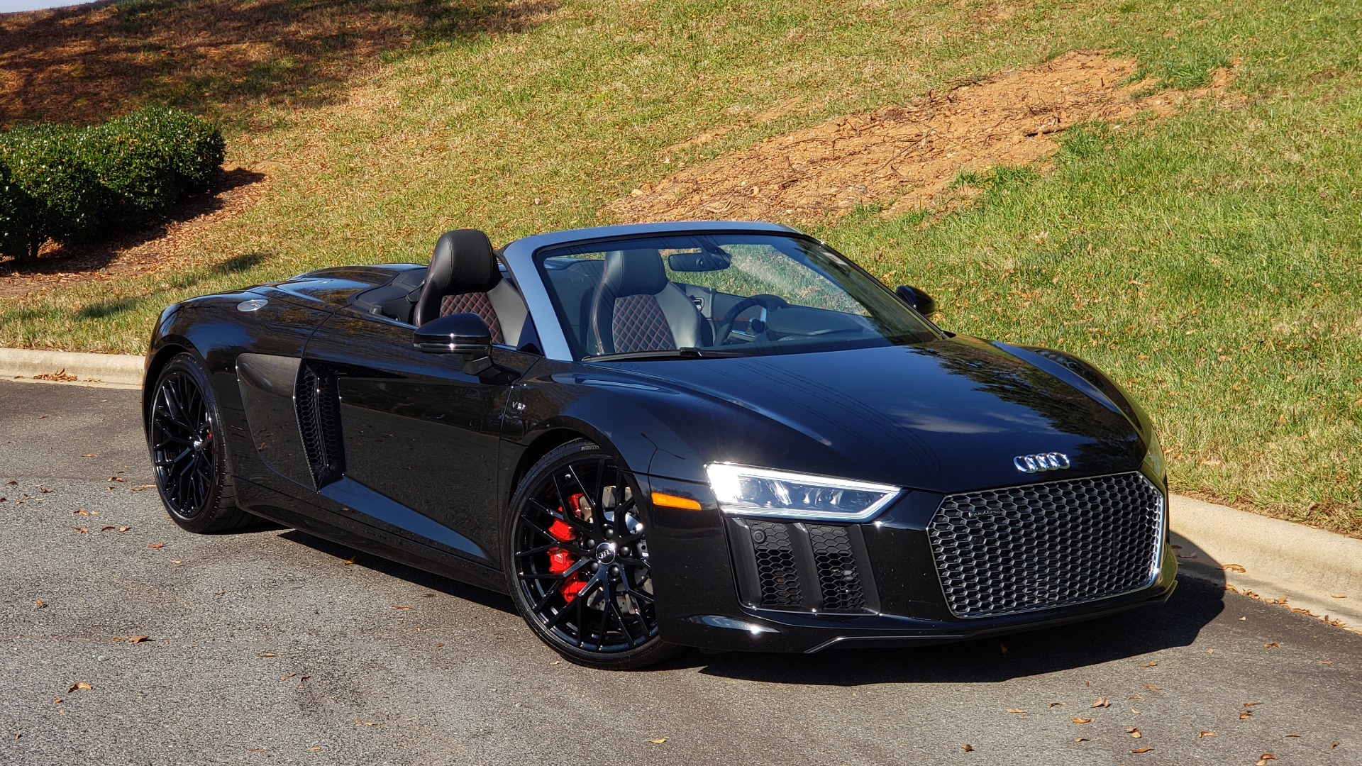 Used 2017 Audi R8 SPYDER V10 S-TRONIC / CARBON EXT & INT PKG / NAV / REARVIEW for sale Sold at Formula Imports in Charlotte NC 28227 13