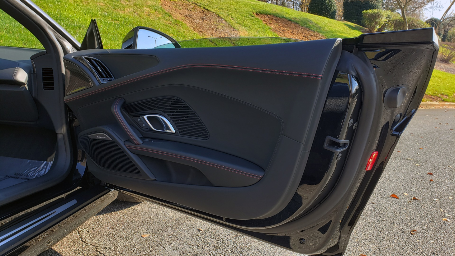 Used 2017 Audi R8 SPYDER V10 S-TRONIC / CARBON EXT & INT PKG / NAV / REARVIEW for sale Sold at Formula Imports in Charlotte NC 28227 34