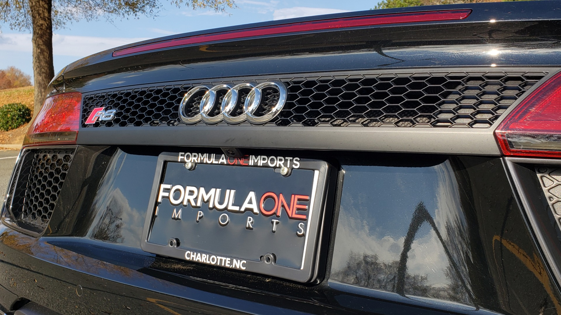 Used 2017 Audi R8 SPYDER V10 S-TRONIC / CARBON EXT & INT PKG / NAV / REARVIEW for sale Sold at Formula Imports in Charlotte NC 28227 64