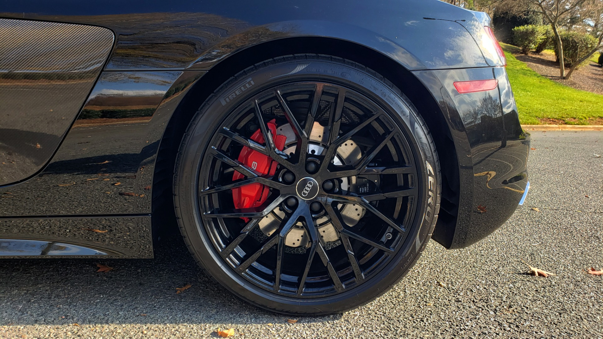 Used 2017 Audi R8 SPYDER V10 S-TRONIC / CARBON EXT & INT PKG / NAV / REARVIEW for sale Sold at Formula Imports in Charlotte NC 28227 82
