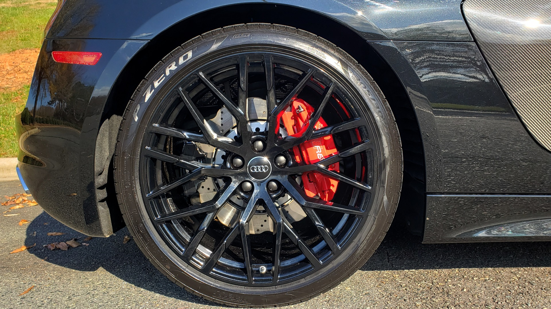 Used 2017 Audi R8 SPYDER V10 S-TRONIC / CARBON EXT & INT PKG / NAV / REARVIEW for sale Sold at Formula Imports in Charlotte NC 28227 85