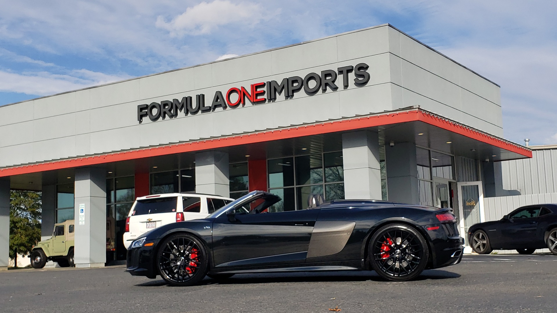 Used 2017 Audi R8 SPYDER V10 S-TRONIC / CARBON EXT & INT PKG / NAV / REARVIEW for sale Sold at Formula Imports in Charlotte NC 28227 86