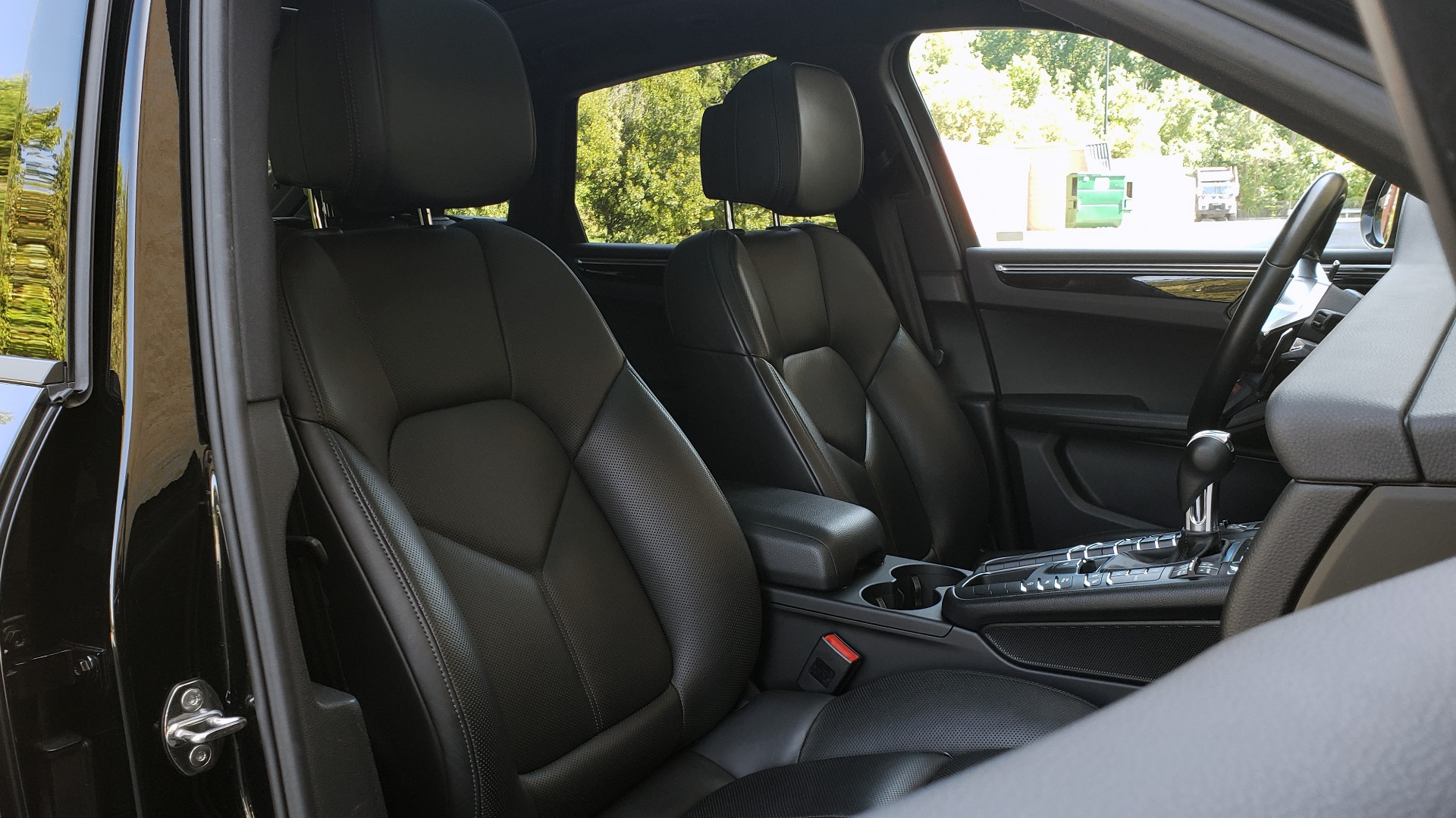Used 2018 Porsche MACAN PREMIUM PKG PLUS / NAV / PDK / BOSE / REARVIEW for sale Sold at Formula Imports in Charlotte NC 28227 72
