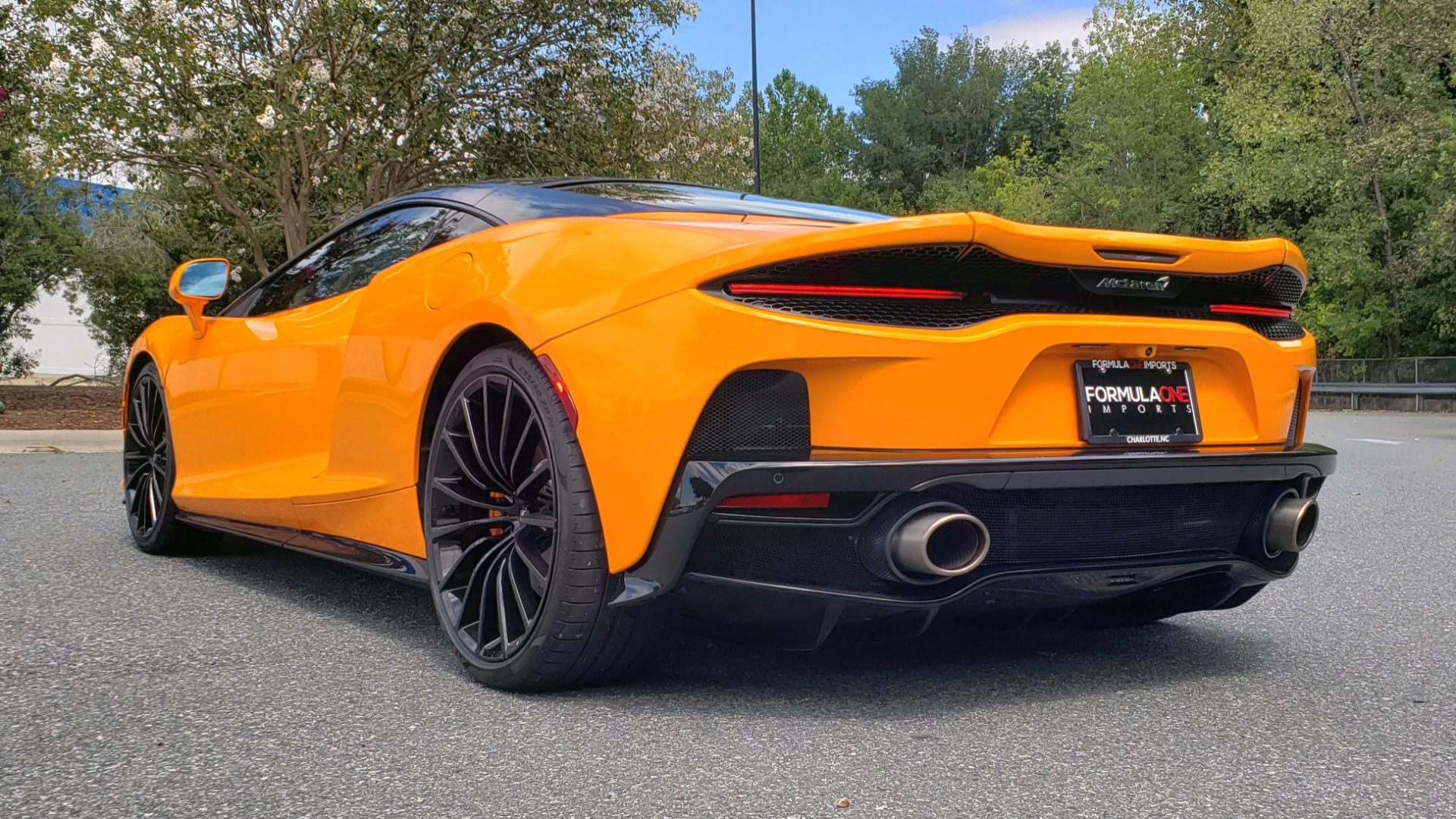 Used 2020 McLaren GT COUPE / 4.0L V8 - 612HP / RWD / NAV / REARVIEW / 20IN BLACK WHEELS for sale $244,000 at Formula Imports in Charlotte NC 28227 10