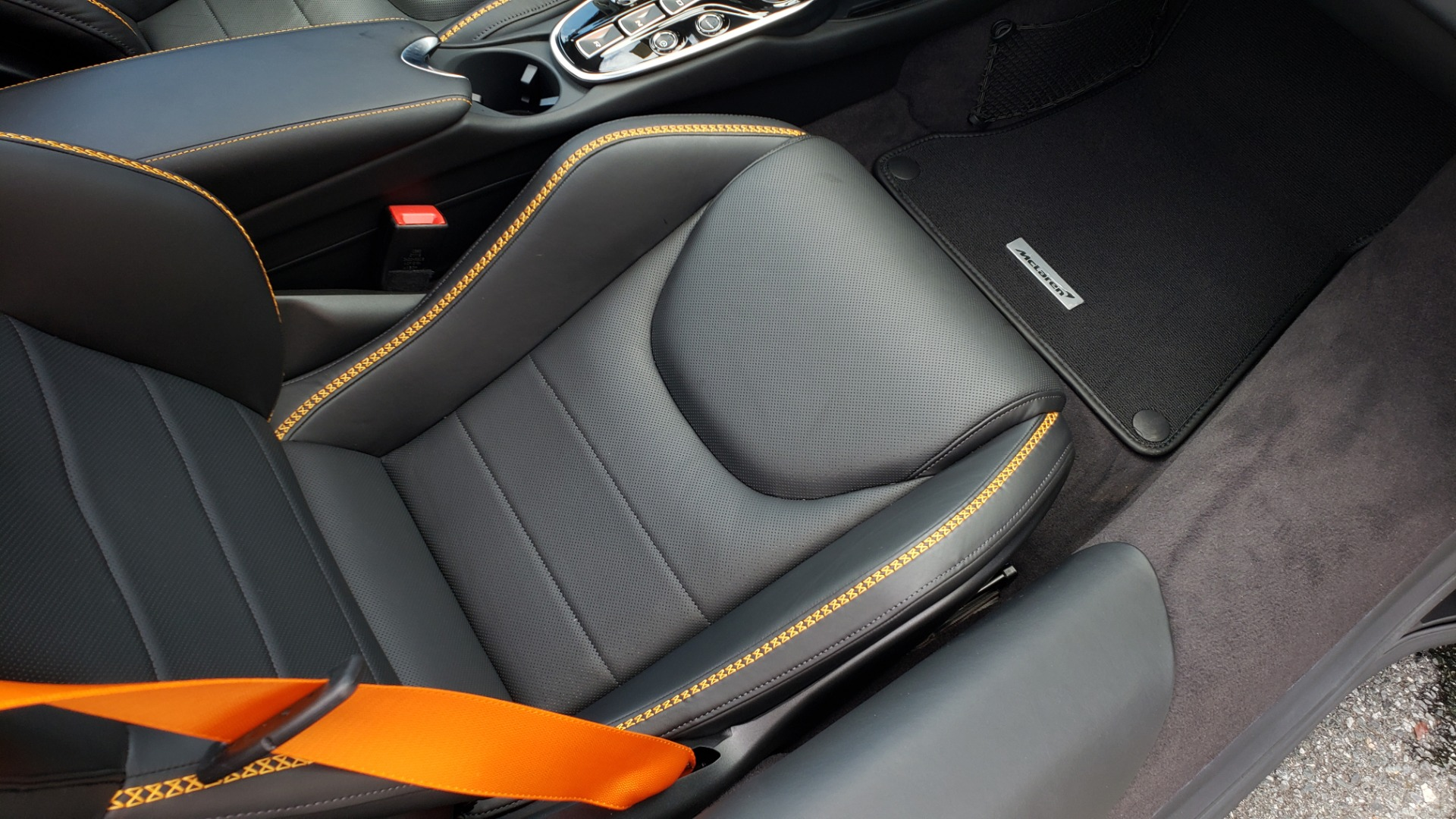 Used 2020 McLaren GT COUPE / 4.0L V8 - 612HP / RWD / NAV / REARVIEW / 20IN BLACK WHEELS for sale $244,000 at Formula Imports in Charlotte NC 28227 57