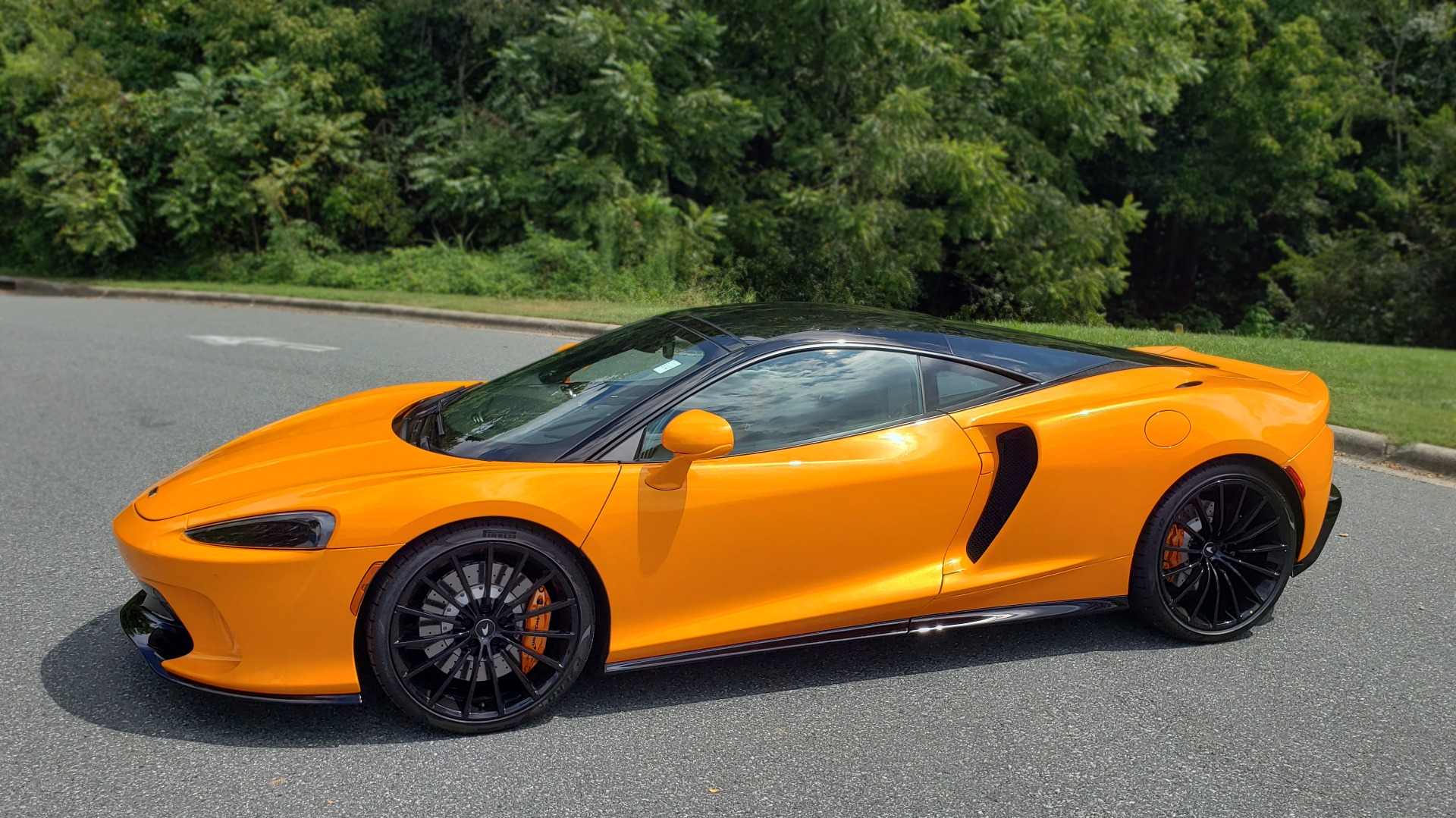 Used 2020 McLaren GT COUPE / 4.0L V8 - 612HP / RWD / NAV / REARVIEW / 20IN BLACK WHEELS for sale $244,000 at Formula Imports in Charlotte NC 28227 8
