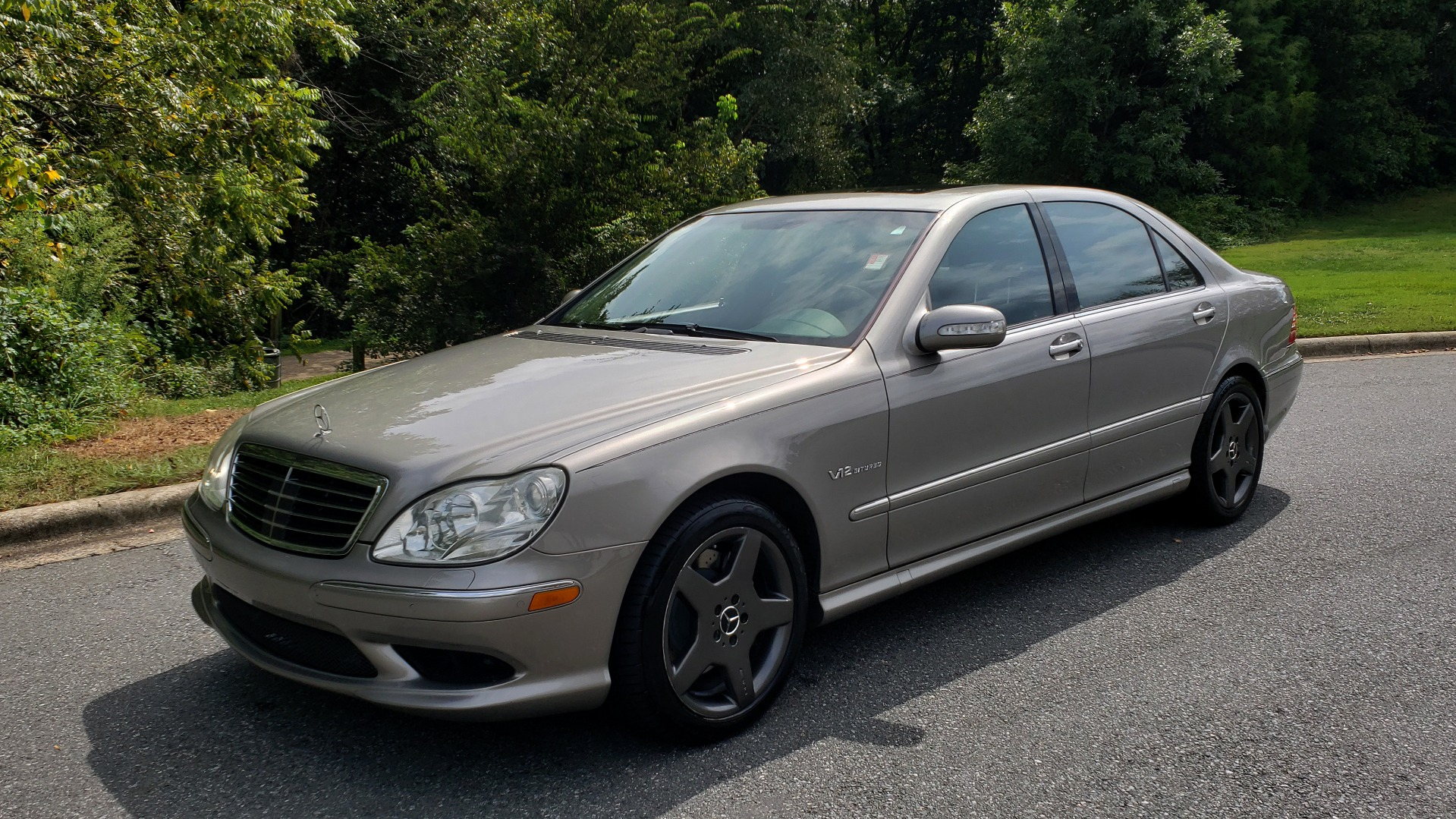 Used 2003 Mercedes-Benz S-CLASS S600 5.5L V12 SEDAN / SUNROOF / KEYLESS-GO / BOSE for sale Sold at Formula Imports in Charlotte NC 28227 1
