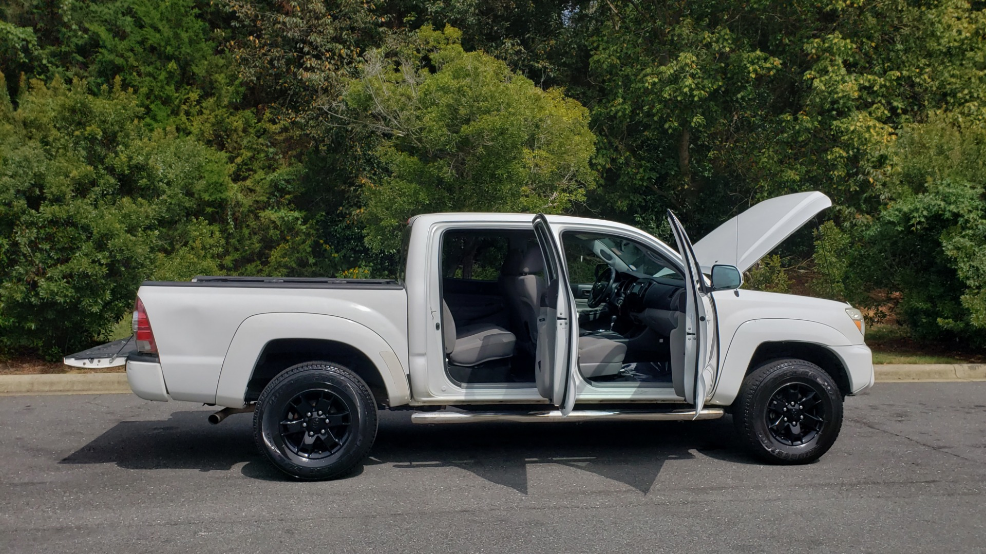 Used 2015 Toyota TACOMA PRERUNNER DOUBLE CAB/ 4-CYL / 4-SPD AUTO / SR PKG / CONV PKG for sale $15,995 at Formula Imports in Charlotte NC 28227 10