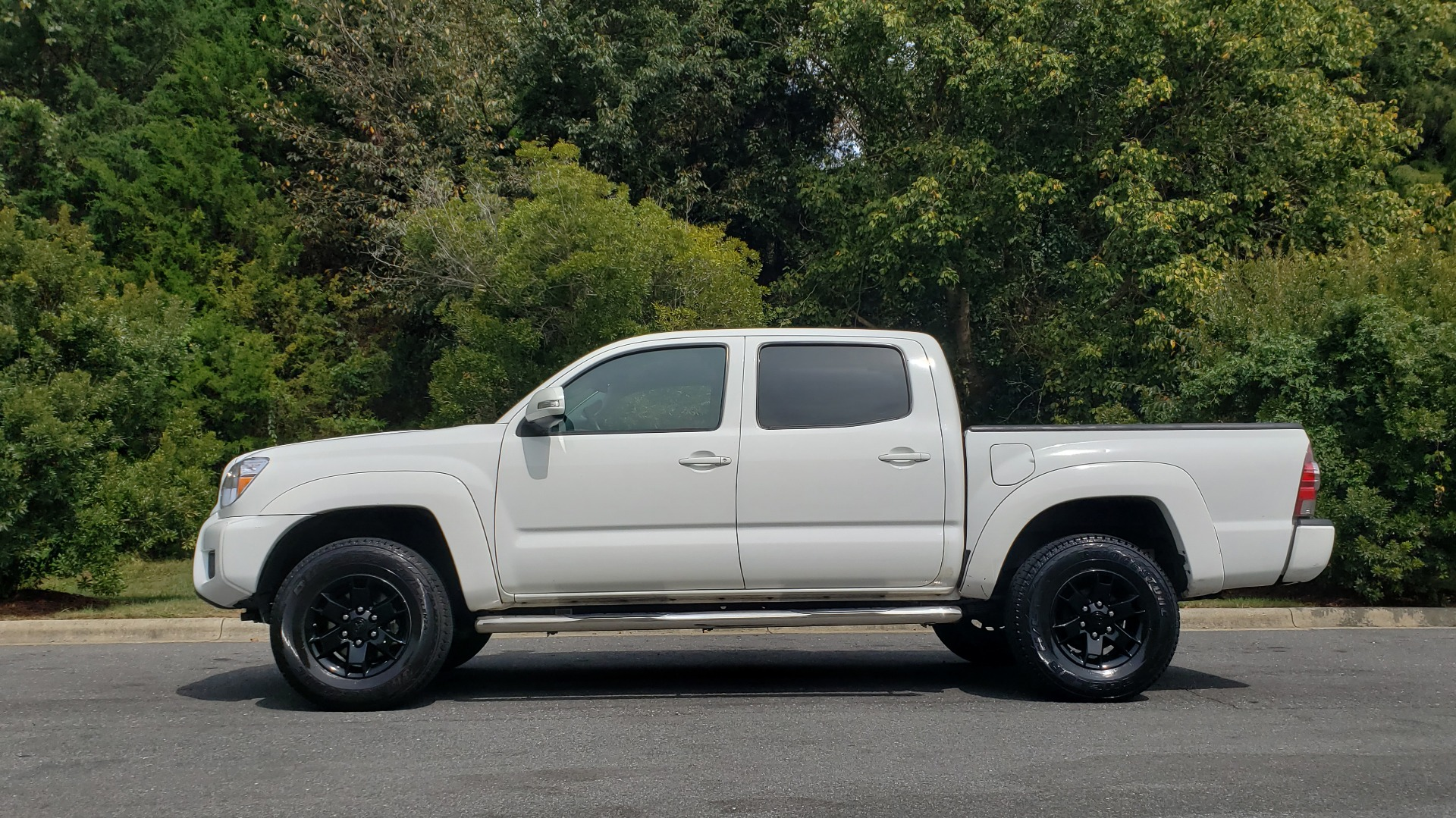 Used 2015 Toyota TACOMA PRERUNNER DOUBLE CAB/ 4-CYL / 4-SPD AUTO / SR PKG / CONV PKG for sale $15,995 at Formula Imports in Charlotte NC 28227 2