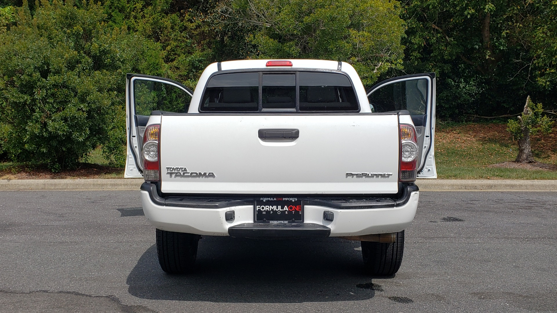 Used 2015 Toyota TACOMA PRERUNNER DOUBLE CAB/ 4-CYL / 4-SPD AUTO / SR PKG / CONV PKG for sale $15,995 at Formula Imports in Charlotte NC 28227 23