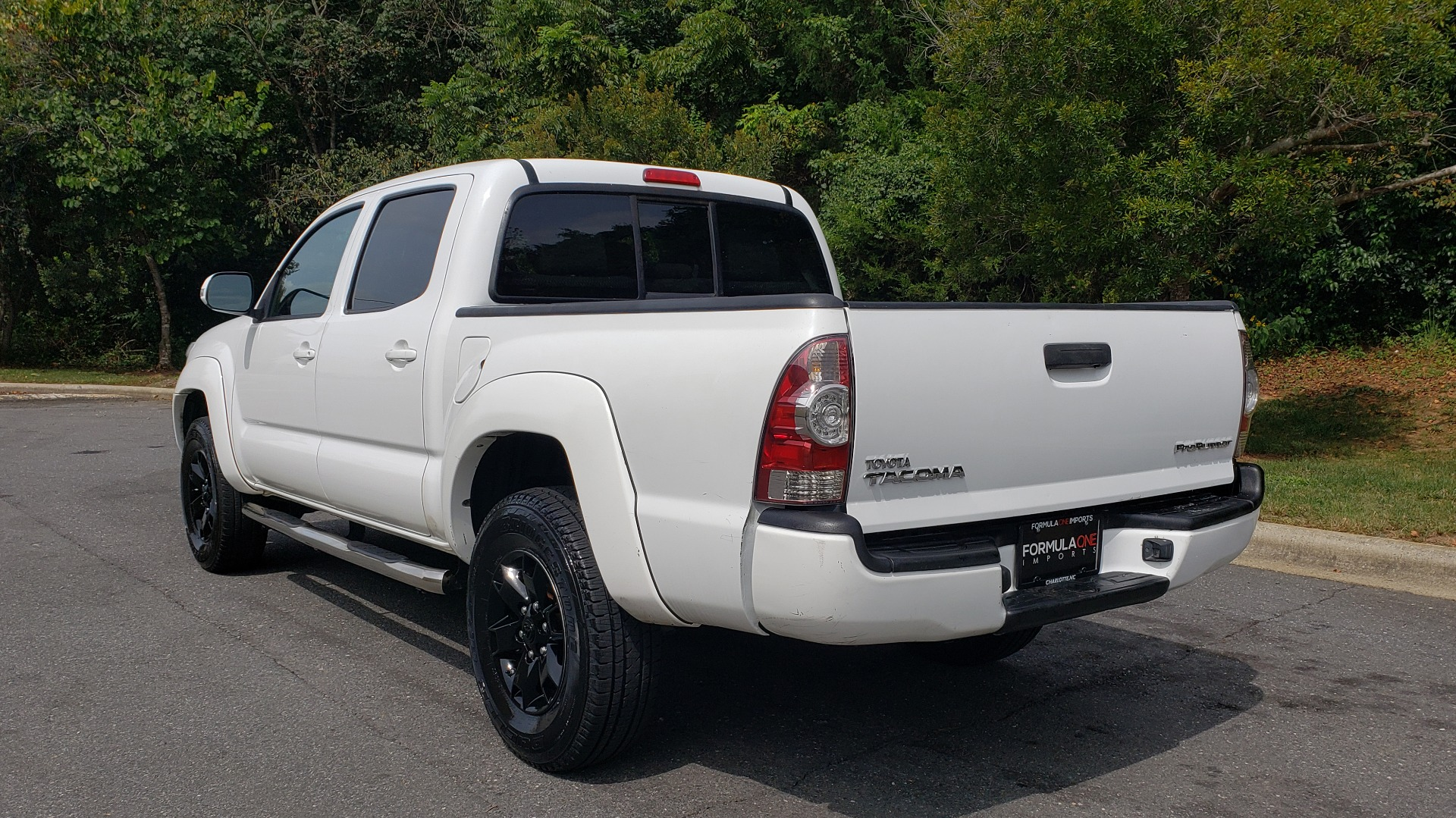 Used 2015 Toyota TACOMA PRERUNNER DOUBLE CAB/ 4-CYL / 4-SPD AUTO / SR PKG / CONV PKG for sale $15,995 at Formula Imports in Charlotte NC 28227 3