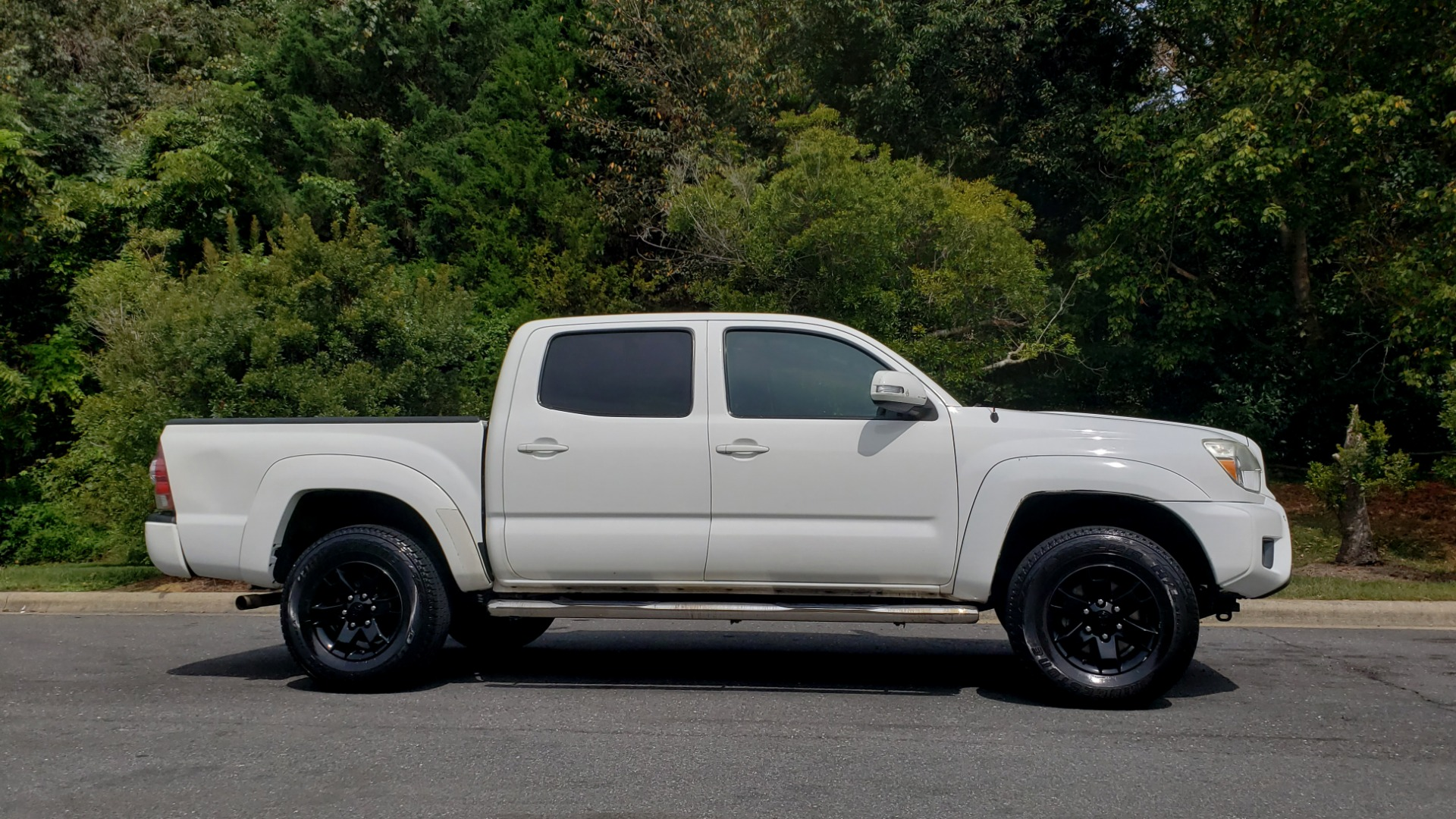 Used 2015 Toyota TACOMA PRERUNNER DOUBLE CAB/ 4-CYL / 4-SPD AUTO / SR PKG / CONV PKG for sale $15,995 at Formula Imports in Charlotte NC 28227 5