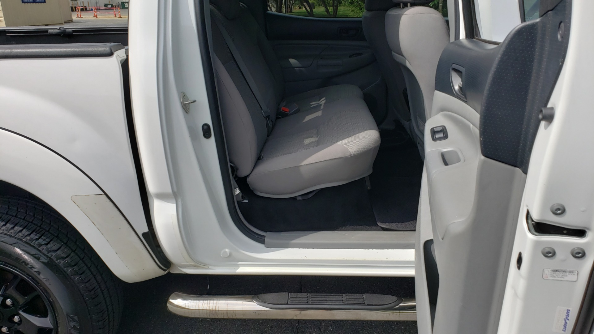 Used 2015 Toyota TACOMA PRERUNNER DOUBLE CAB/ 4-CYL / 4-SPD AUTO / SR PKG / CONV PKG for sale $15,995 at Formula Imports in Charlotte NC 28227 64
