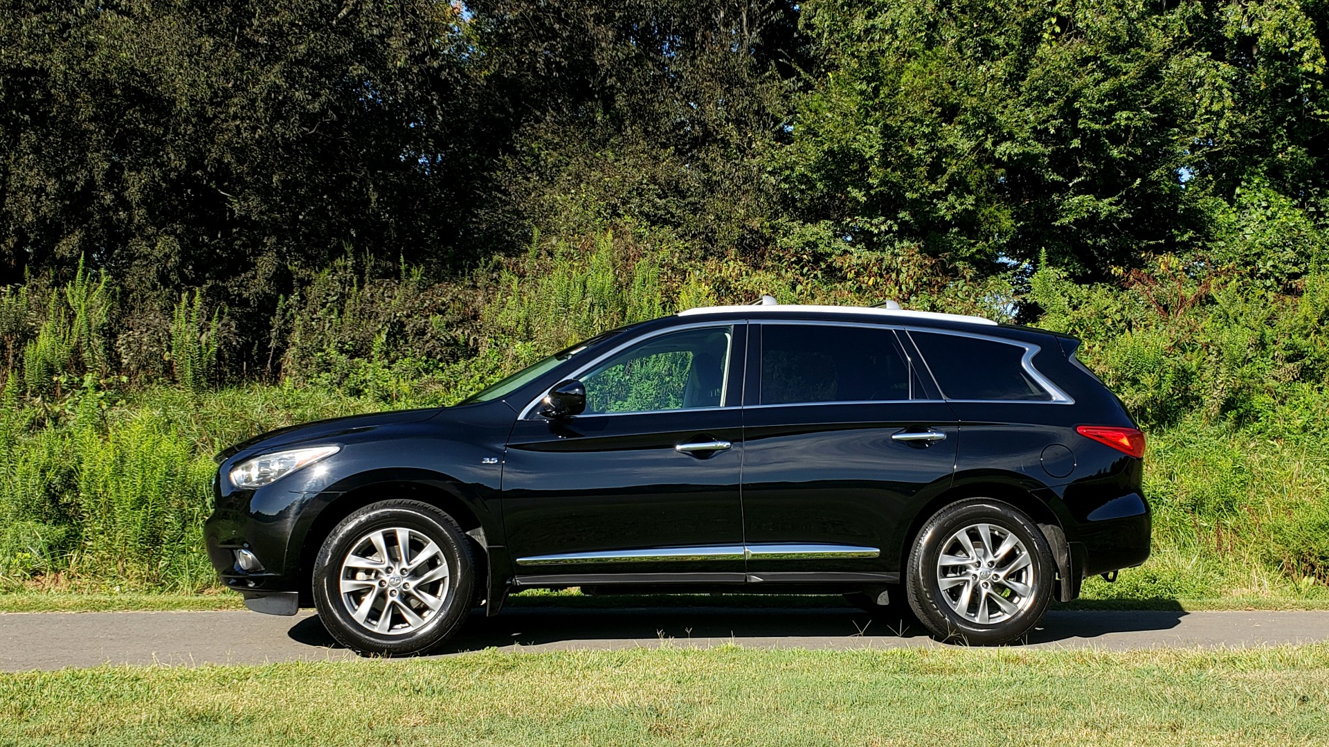 Used 2015 INFINITI QX60 AWD / PREM PLUS PKG / NAV / SUNROOF / BOSE / 3-ROW / REARVIEW for sale $19,695 at Formula Imports in Charlotte NC 28227 6