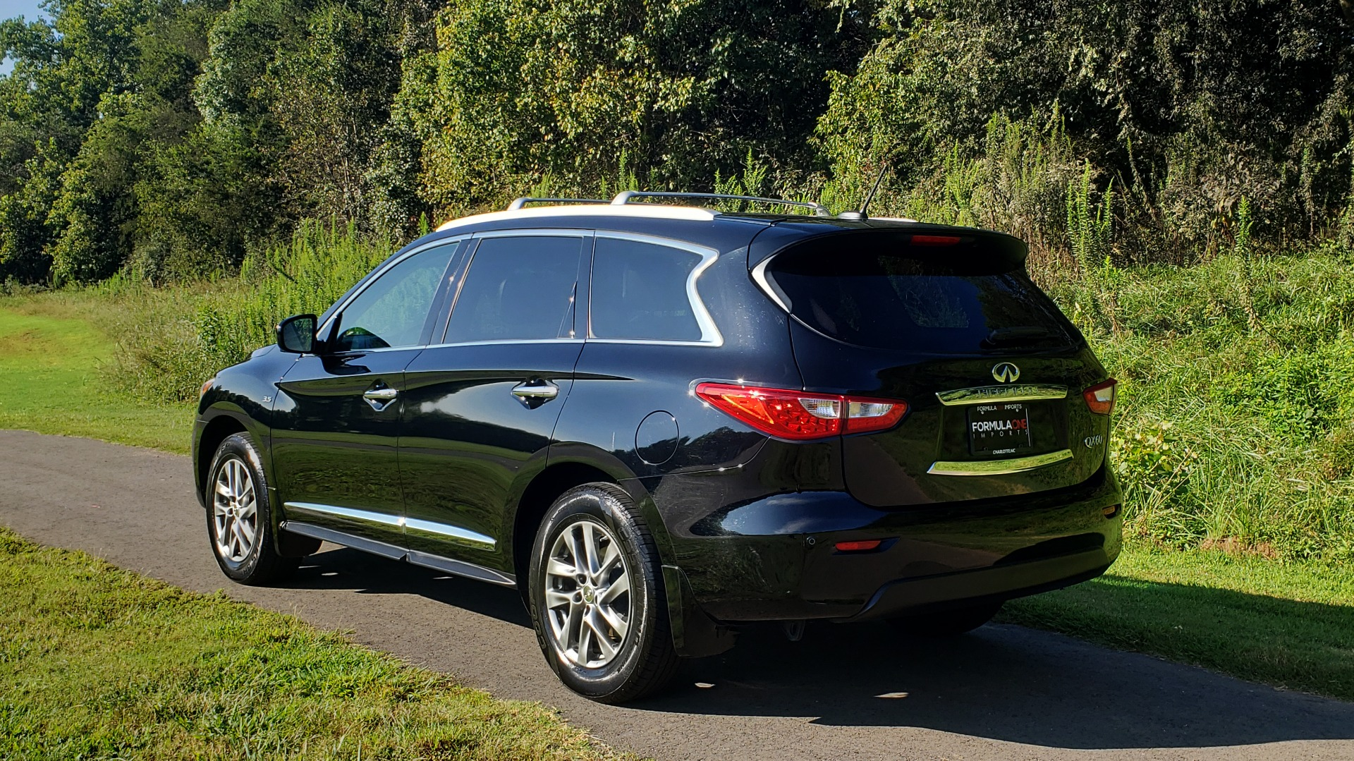 Used 2015 INFINITI QX60 AWD / PREM PLUS PKG / NAV / SUNROOF / BOSE / 3-ROW / REARVIEW for sale $19,695 at Formula Imports in Charlotte NC 28227 7