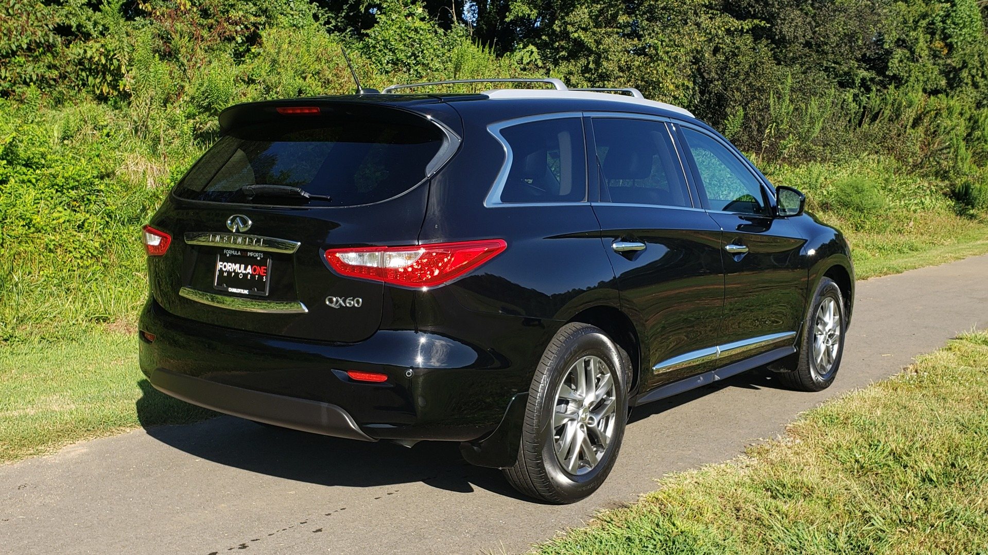 Used 2015 INFINITI QX60 AWD / PREM PLUS PKG / NAV / SUNROOF / BOSE / 3-ROW / REARVIEW for sale $19,695 at Formula Imports in Charlotte NC 28227 8