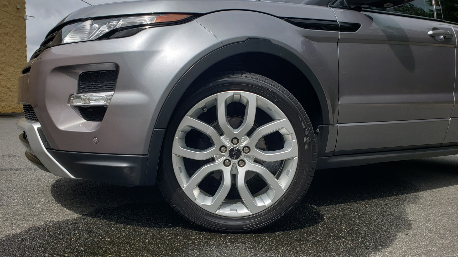 Used 2013 Land Rover RANGE ROVER EVOQUE DYNAMIC PREMIUM / NAV / PANO-ROOF / BLIND SPOT / REARVIEW for sale Sold at Formula Imports in Charlotte NC 28227 12