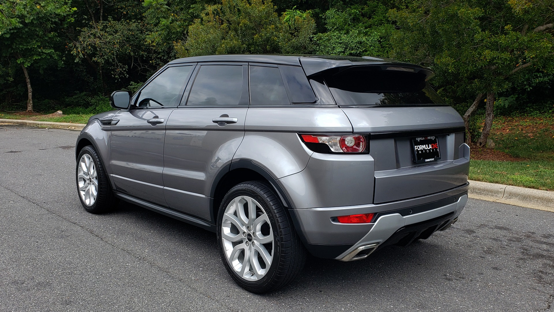 Used 2013 Land Rover RANGE ROVER EVOQUE DYNAMIC PREMIUM / NAV / PANO-ROOF / BLIND SPOT / REARVIEW for sale Sold at Formula Imports in Charlotte NC 28227 4