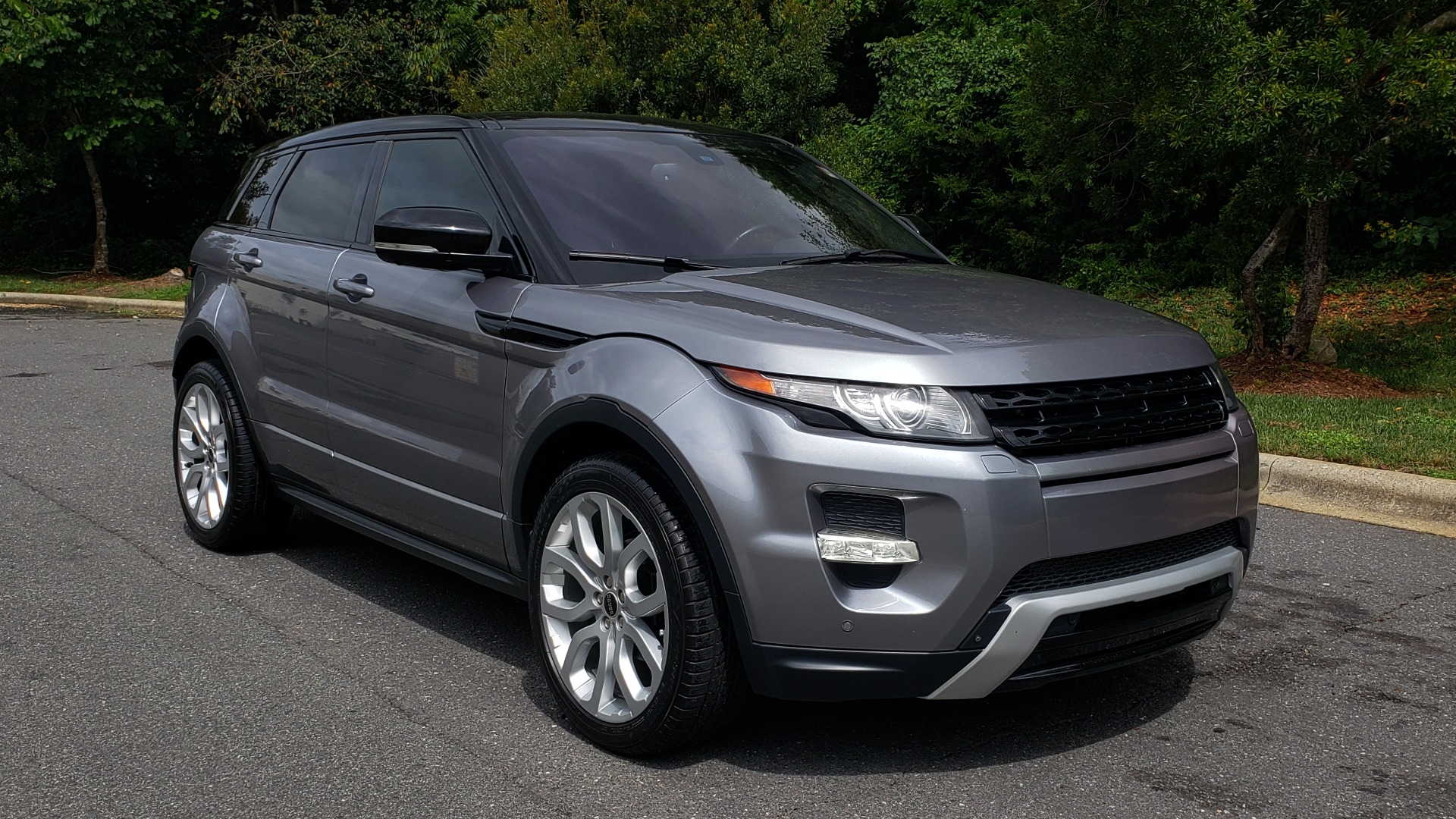 Used 2013 Land Rover RANGE ROVER EVOQUE DYNAMIC PREMIUM / NAV / PANO-ROOF / BLIND SPOT / REARVIEW for sale Sold at Formula Imports in Charlotte NC 28227 6