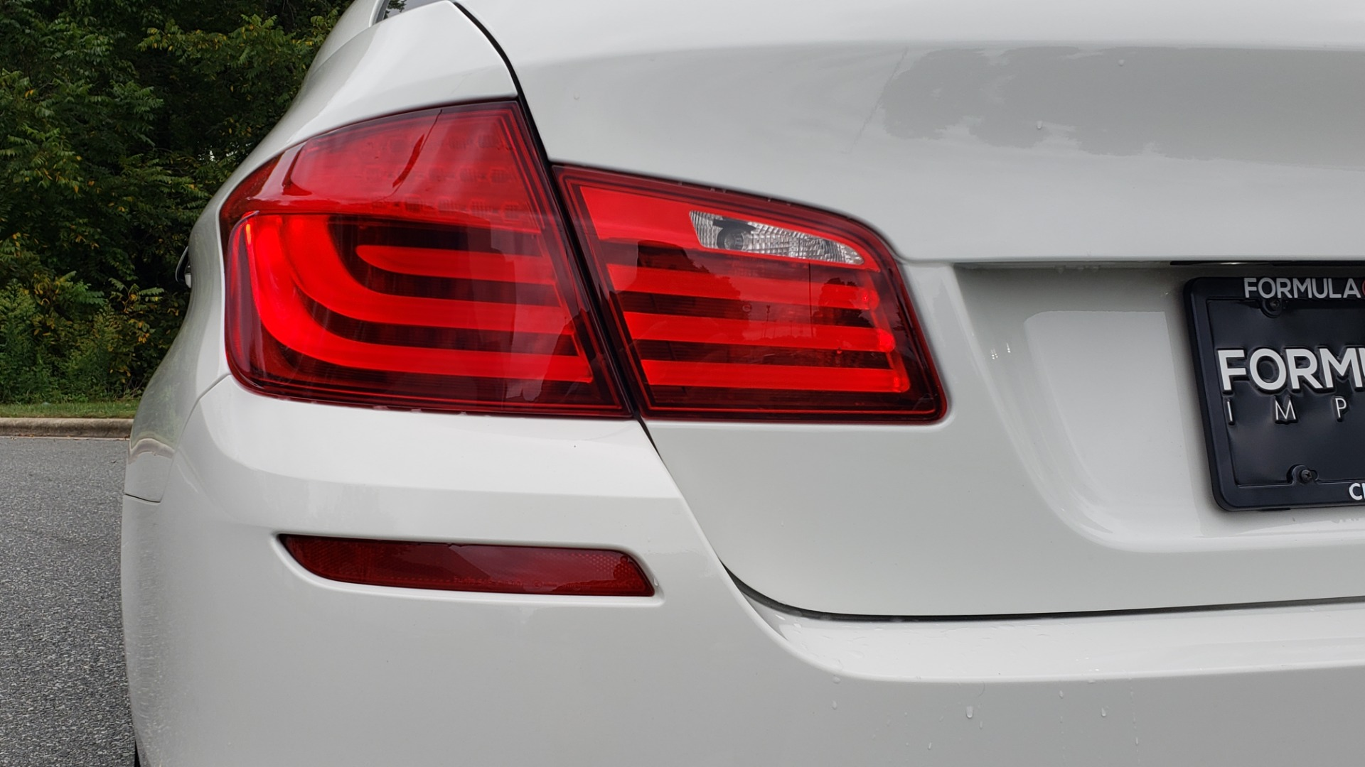 Used 2012 BMW 5 SERIES 550I M SPORT / NAV / CONV PKG / SUNROOF / PREM SND / REARVIEW for sale Sold at Formula Imports in Charlotte NC 28227 25