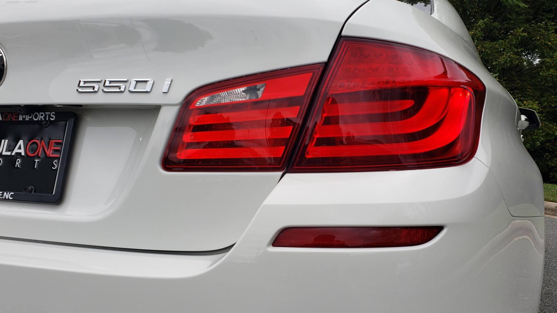 Used 2012 BMW 5 SERIES 550I M SPORT / NAV / CONV PKG / SUNROOF / PREM SND / REARVIEW for sale Sold at Formula Imports in Charlotte NC 28227 26