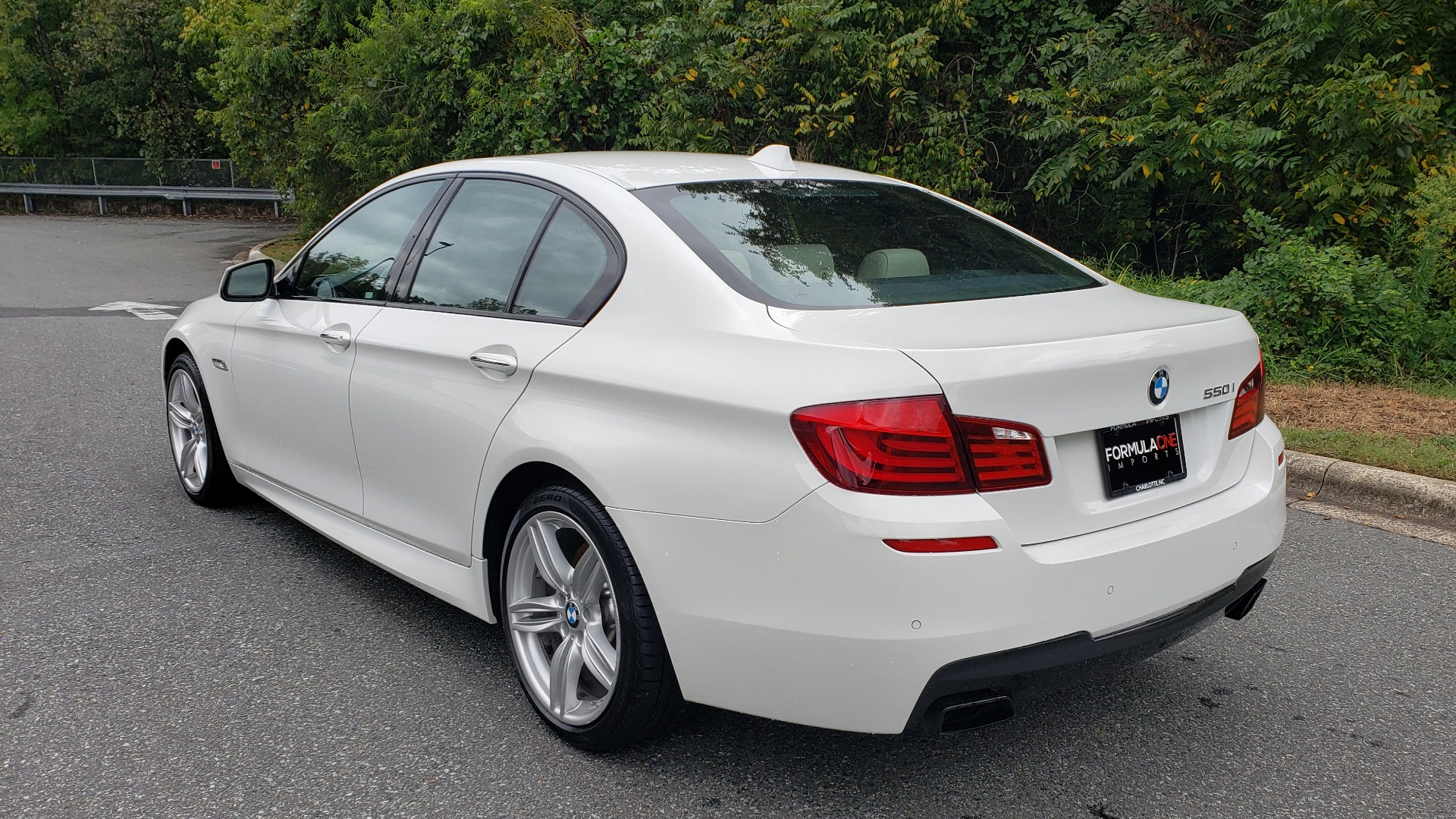 Used 2012 BMW 5 SERIES 550I M SPORT / NAV / CONV PKG / SUNROOF / PREM SND / REARVIEW for sale Sold at Formula Imports in Charlotte NC 28227 3