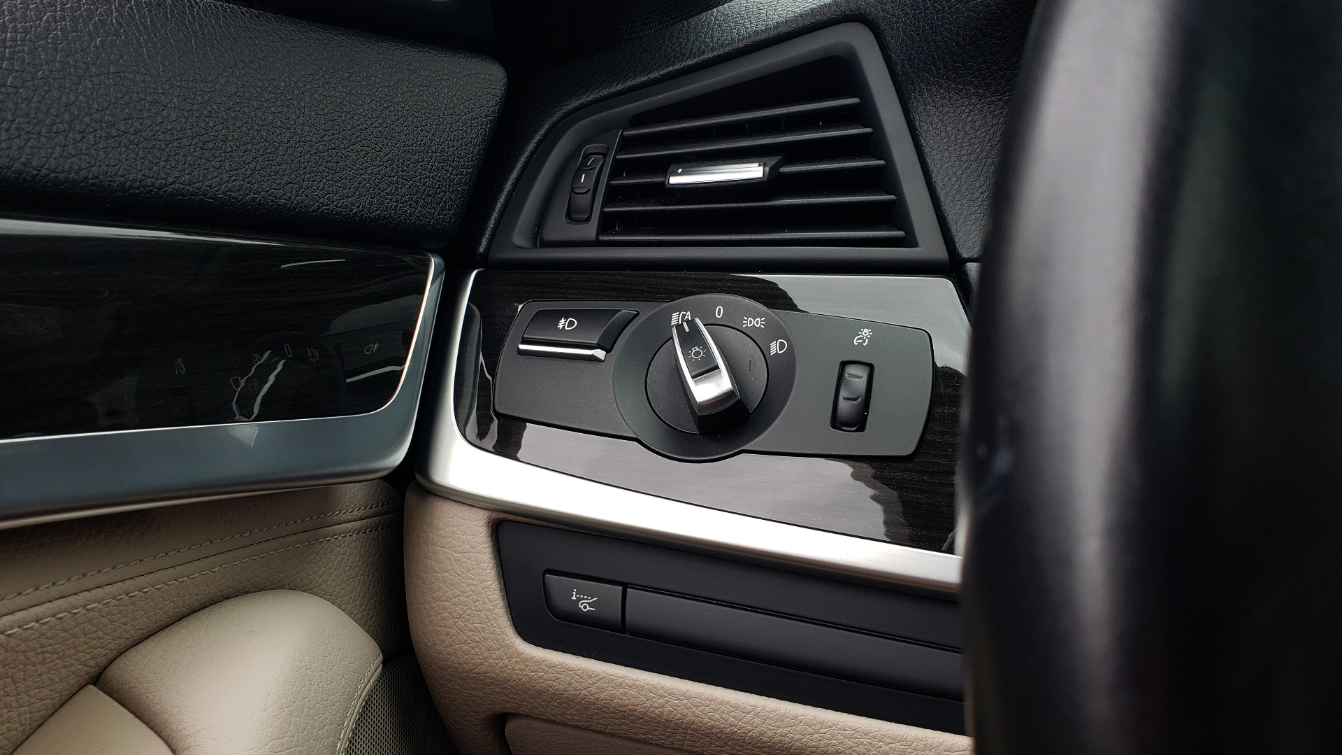 Used 2012 BMW 5 SERIES 550I M SPORT / NAV / CONV PKG / SUNROOF / PREM SND / REARVIEW for sale Sold at Formula Imports in Charlotte NC 28227 35