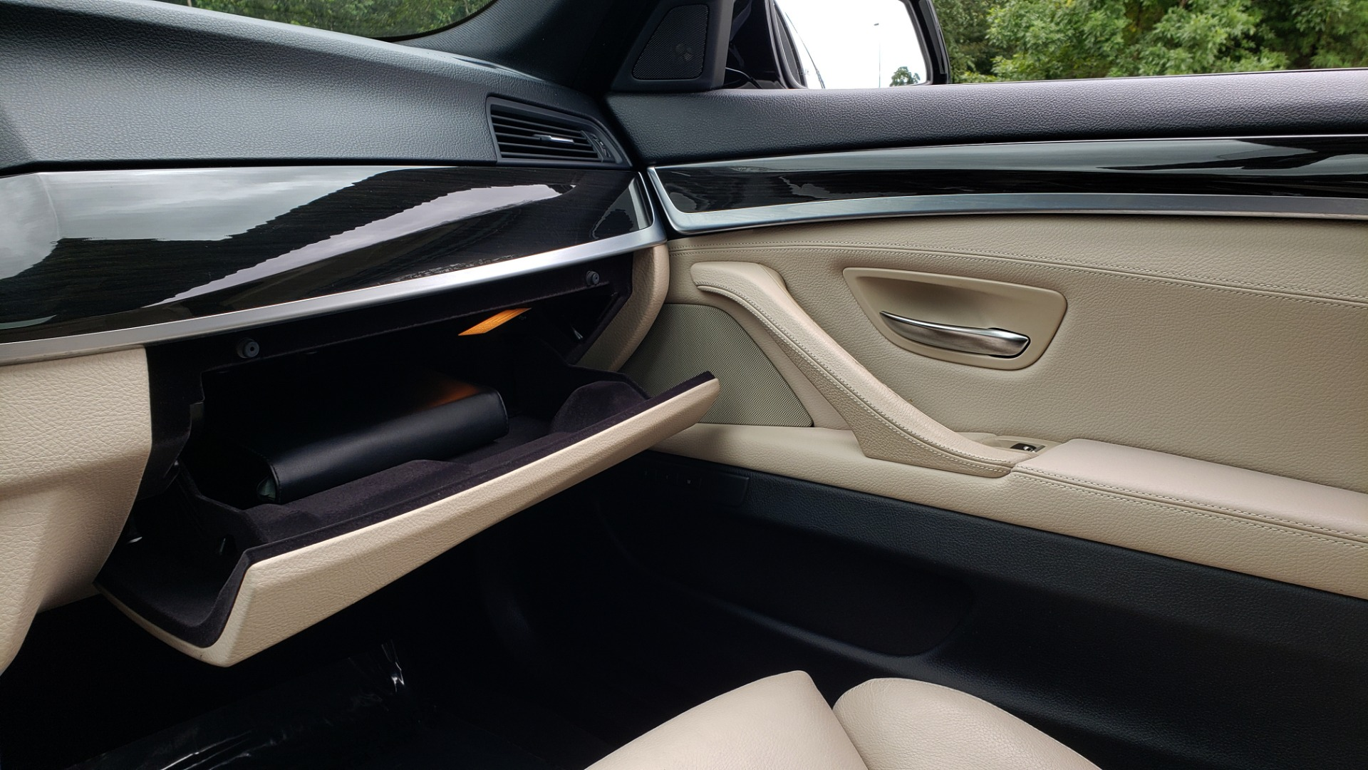 Used 2012 BMW 5 SERIES 550I M SPORT / NAV / CONV PKG / SUNROOF / PREM SND / REARVIEW for sale Sold at Formula Imports in Charlotte NC 28227 46