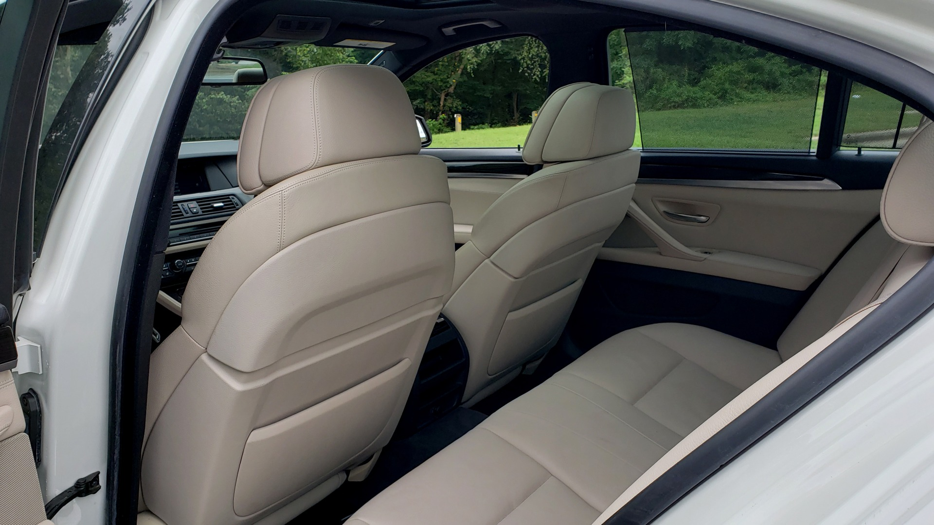 Used 2012 BMW 5 SERIES 550I M SPORT / NAV / CONV PKG / SUNROOF / PREM SND / REARVIEW for sale Sold at Formula Imports in Charlotte NC 28227 56
