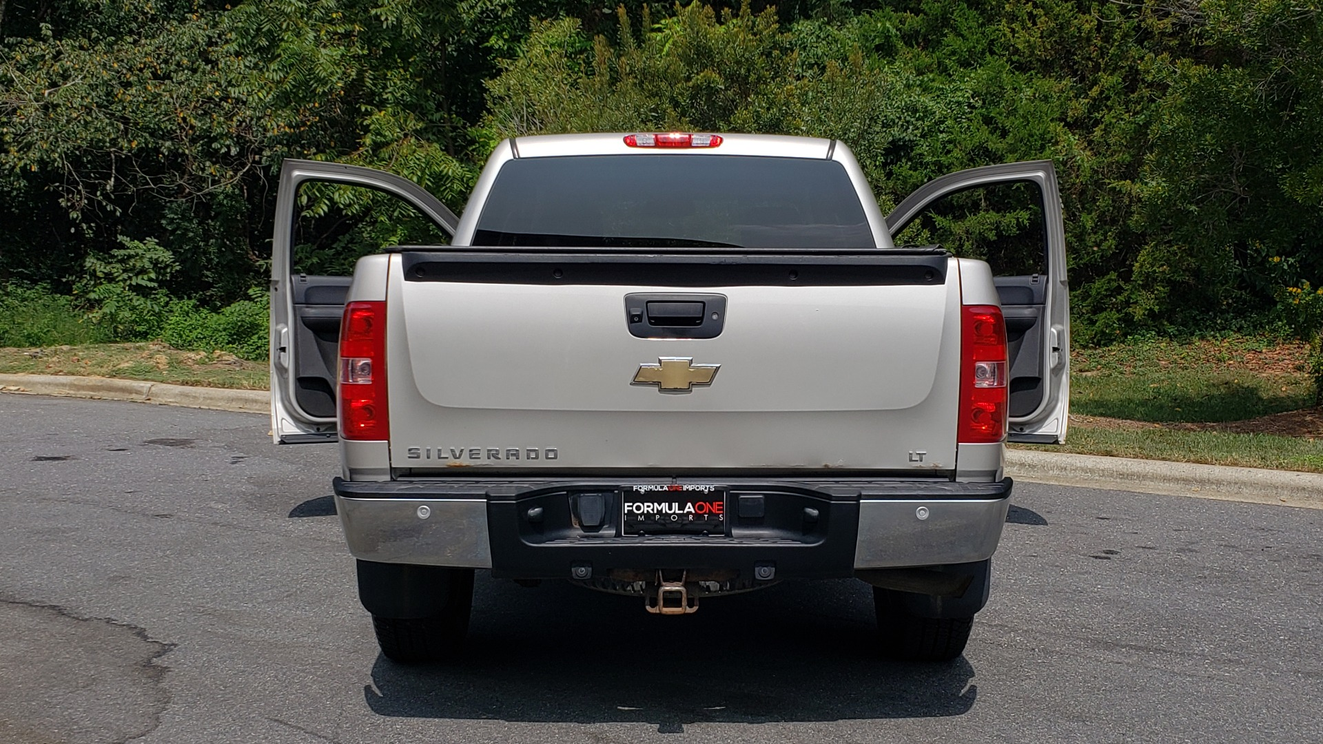 Used 2009 Chevrolet SILVERADO 1500 LT / CREWCAB / 5.3L V8 / 4WD / TRAILER PKG / REARVIEW for sale $10,595 at Formula Imports in Charlotte NC 28227 21