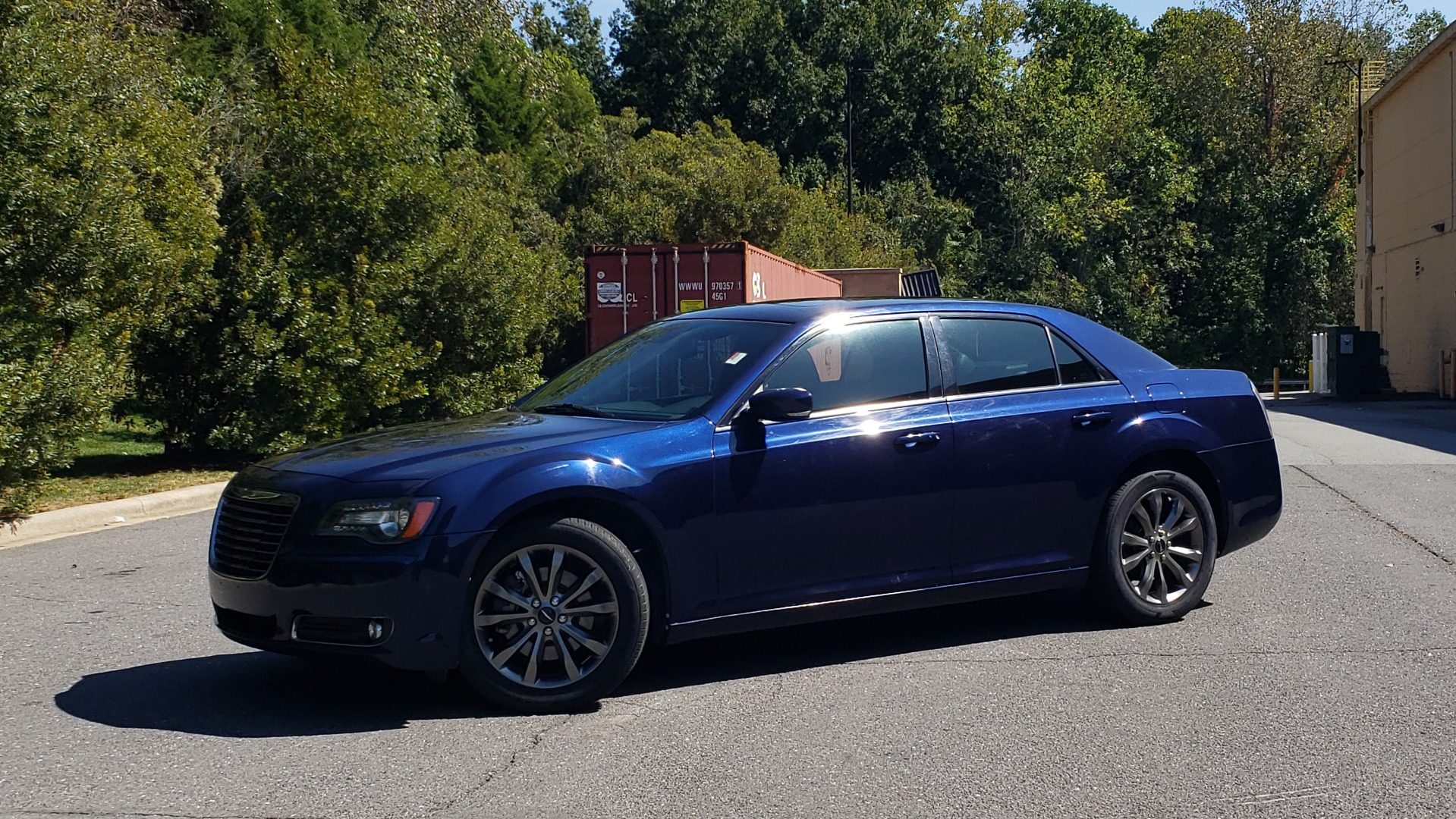 Used 2014 Chrysler 300 S AWD / SAFETY TEC / BLIND SPOT / LIGHT GRP / LUXURY GRP for sale $13,995 at Formula Imports in Charlotte NC 28227 2