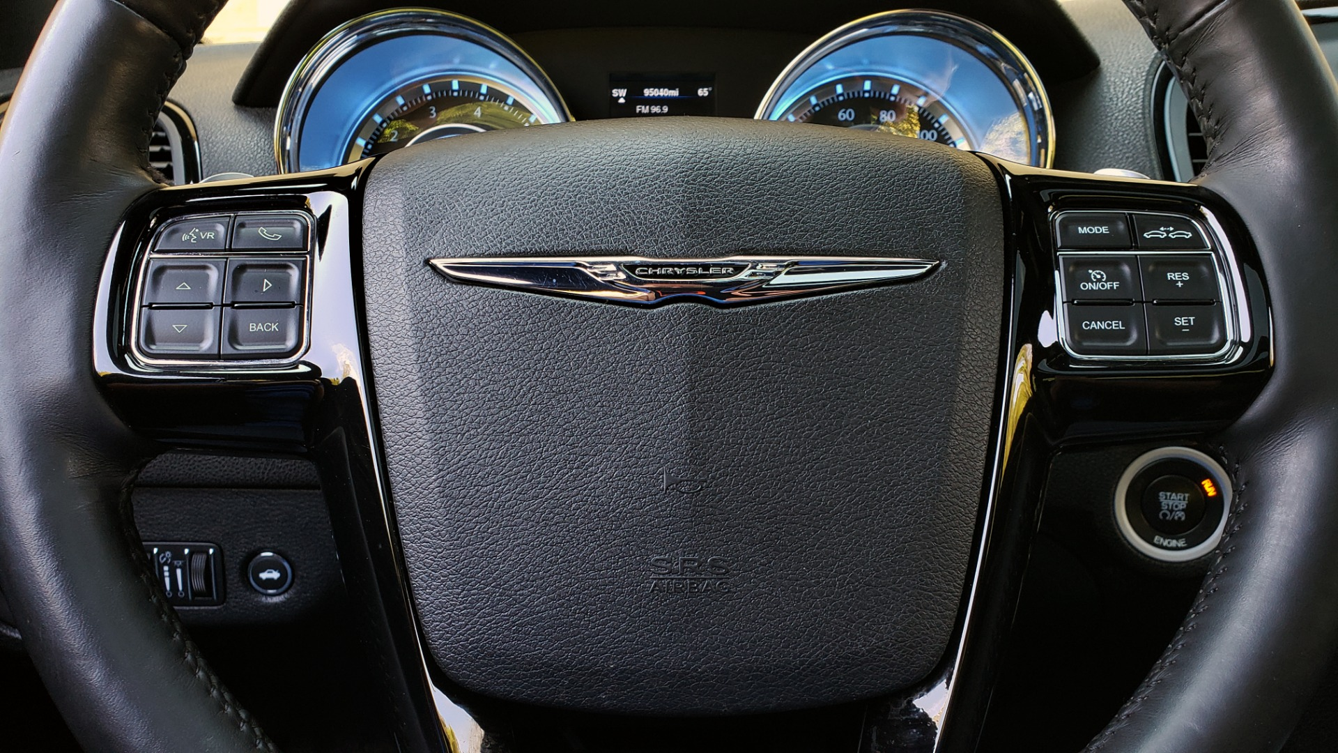 Used 2014 Chrysler 300 S AWD / SAFETY TEC / BLIND SPOT / LIGHT GRP / LUXURY GRP for sale $13,995 at Formula Imports in Charlotte NC 28227 44