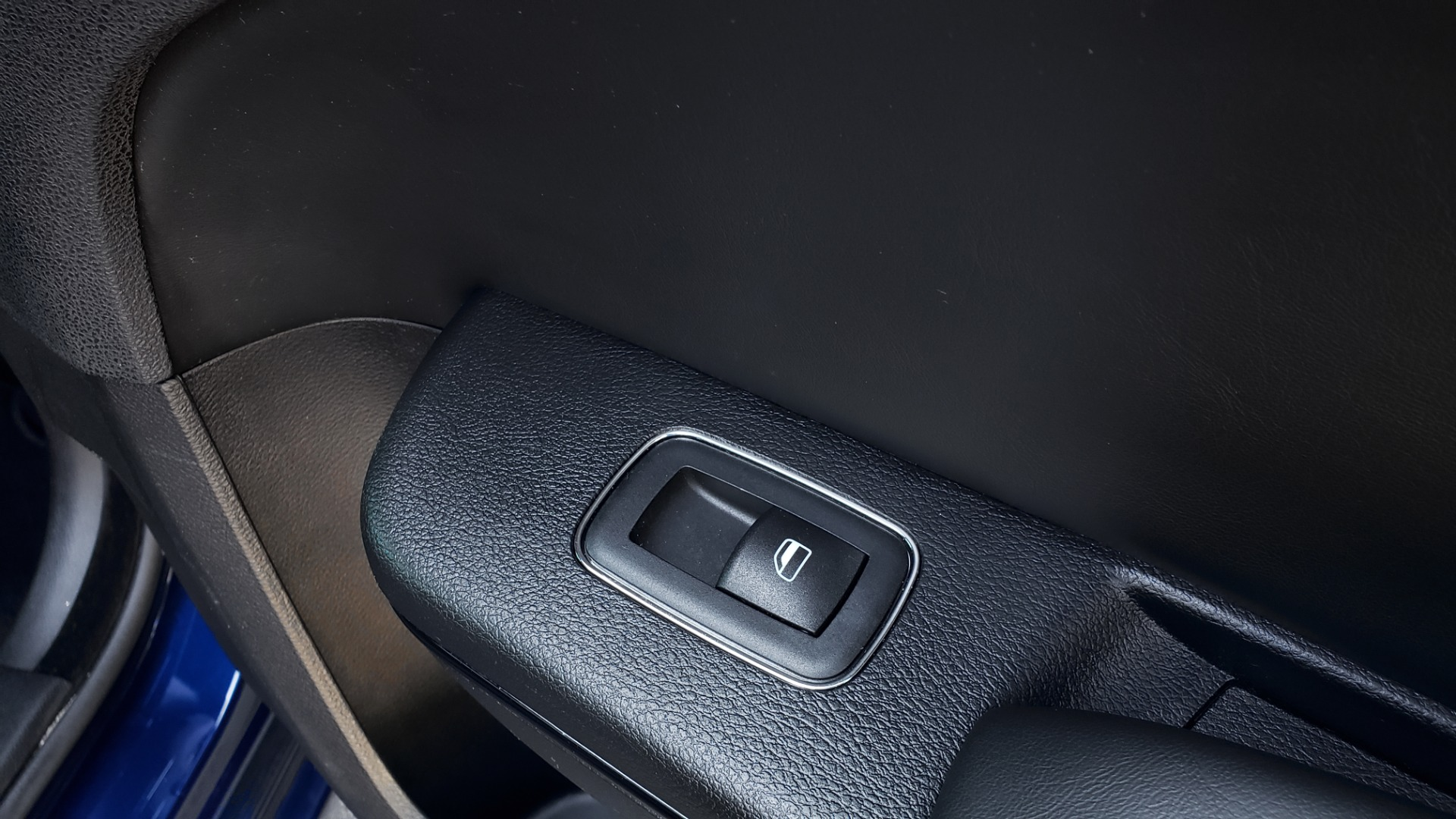 Used 2014 Chrysler 300 S AWD / SAFETY TEC / BLIND SPOT / LIGHT GRP / LUXURY GRP for sale $13,995 at Formula Imports in Charlotte NC 28227 74
