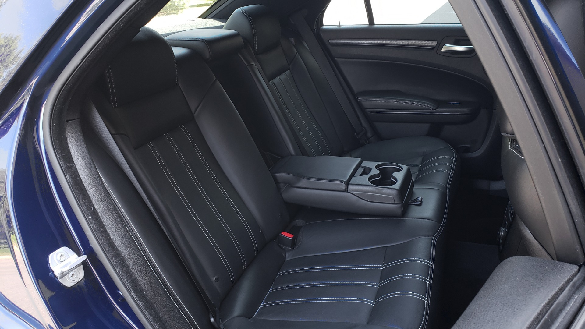 Used 2014 Chrysler 300 S AWD / SAFETY TEC / BLIND SPOT / LIGHT GRP / LUXURY GRP for sale $13,995 at Formula Imports in Charlotte NC 28227 76