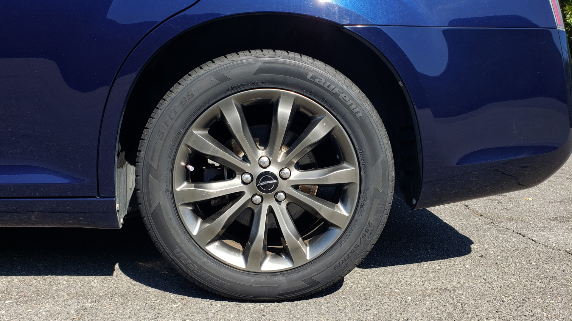 Used 2014 Chrysler 300 S AWD / SAFETY TEC / BLIND SPOT / LIGHT GRP / LUXURY GRP for sale $13,995 at Formula Imports in Charlotte NC 28227 84