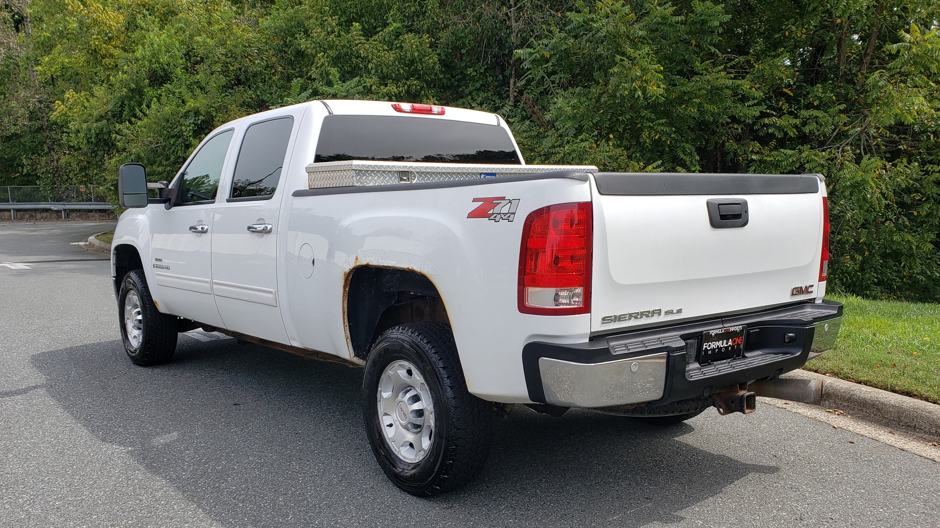 Used 2009 GMC SIERRA 2500HD SLE 4WD CREWCAB / 6.6L DURAMAX / 6-SPD ALLISON for sale Sold at Formula Imports in Charlotte NC 28227 3