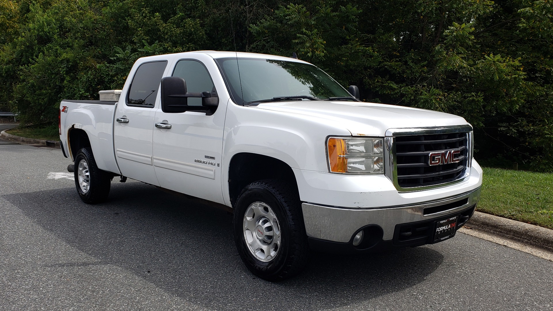 Used 2009 GMC SIERRA 2500HD SLE 4WD CREWCAB / 6.6L DURAMAX / 6-SPD ALLISON for sale Sold at Formula Imports in Charlotte NC 28227 4