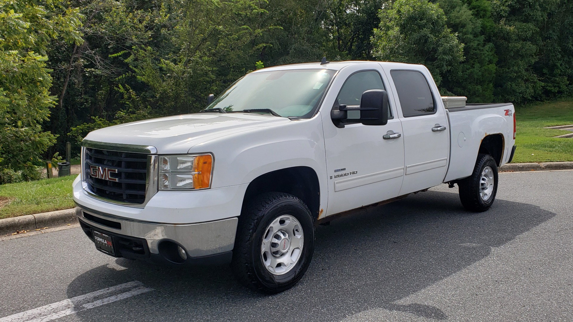 Used 2009 GMC SIERRA 2500HD SLE 4WD CREWCAB / 6.6L DURAMAX / 6-SPD ALLISON for sale Sold at Formula Imports in Charlotte NC 28227 1