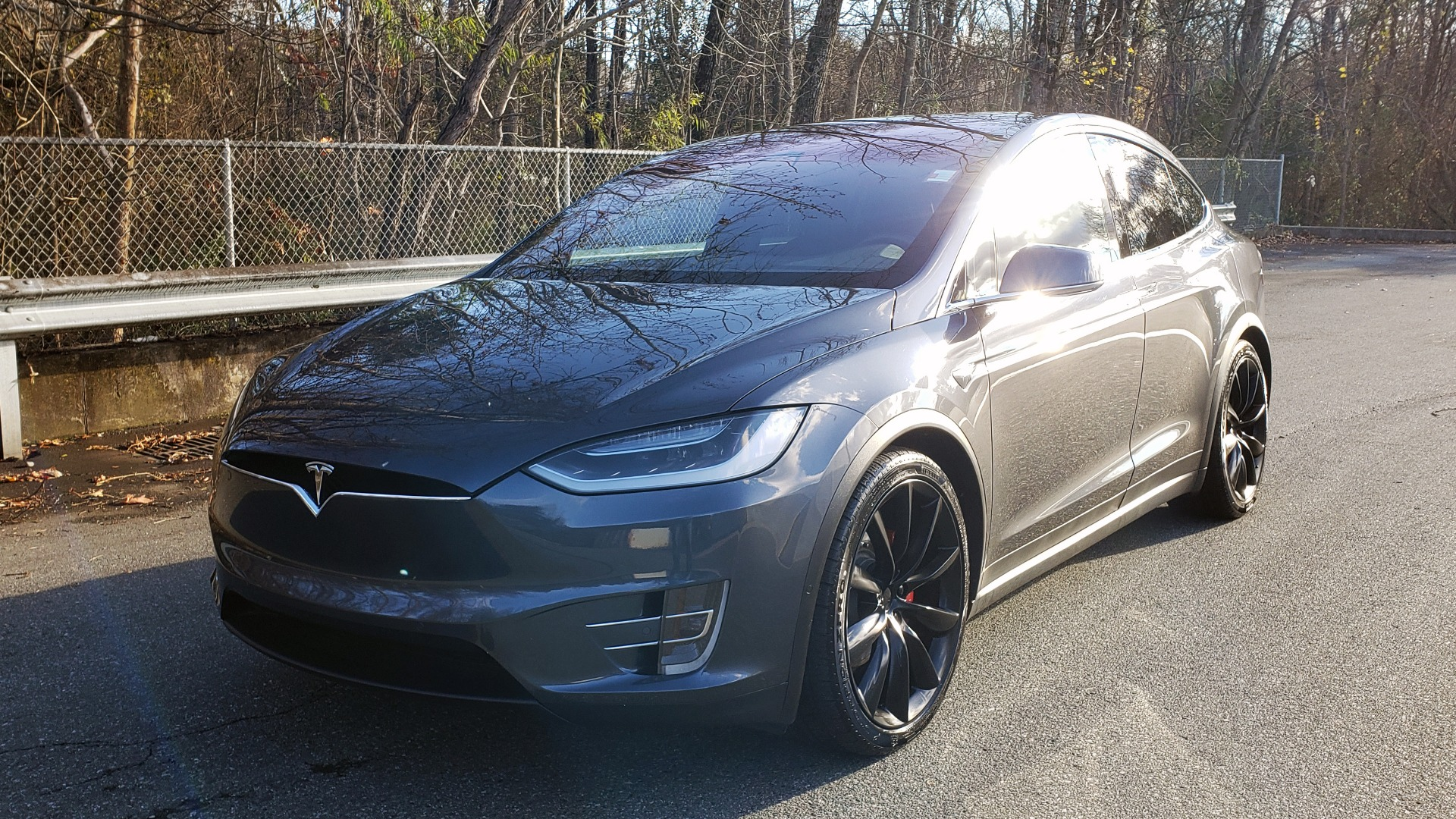 Used 2016 Tesla MODEL X P100D LUDICROUS PERF / PREM / TECH / AUTO PILOT / TOWING for sale Sold at Formula Imports in Charlotte NC 28227 4