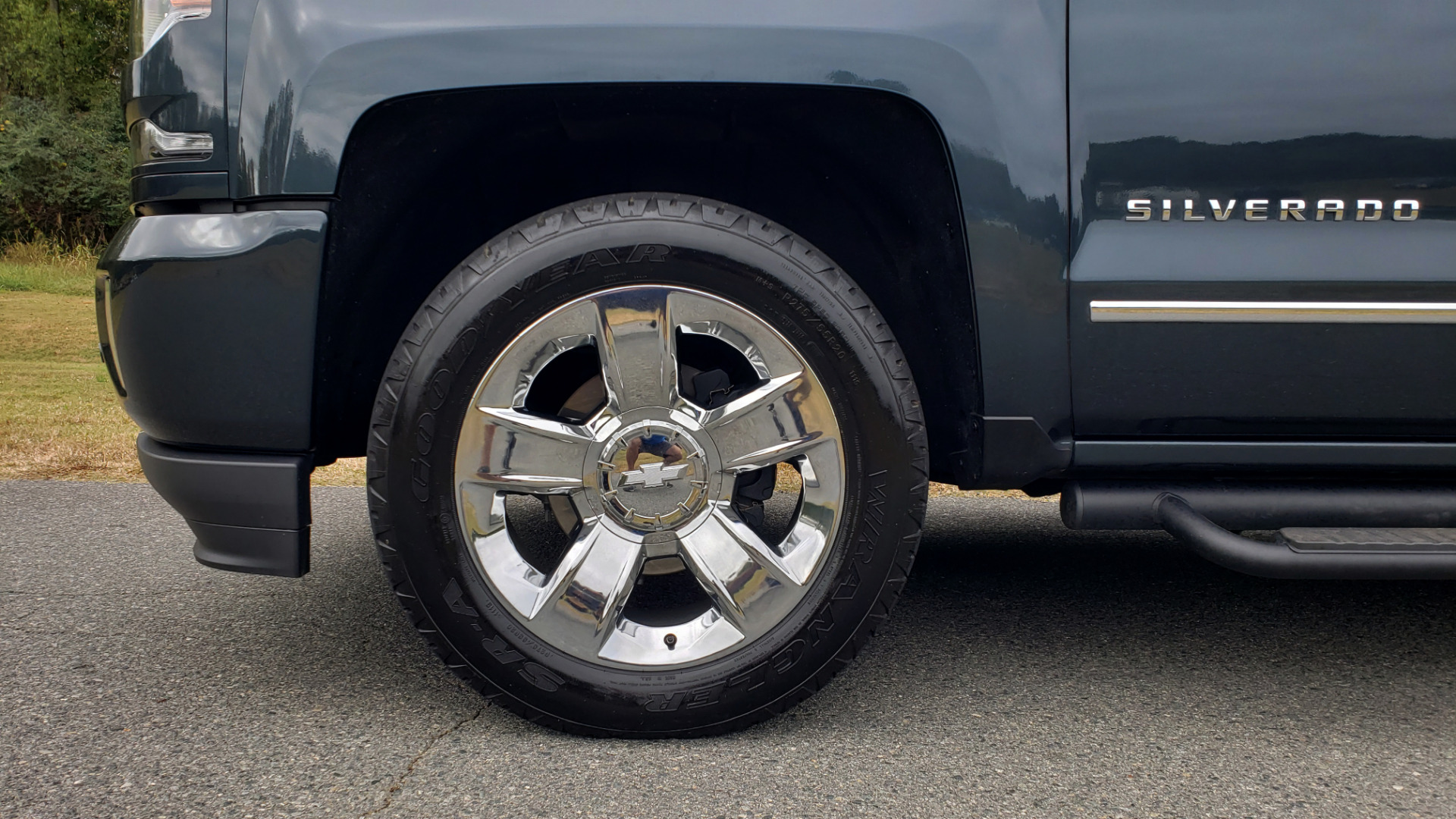 Used 2017 Chevrolet SILVERADO 1500 LTZ 4WD / NAV / BOSE / LEATHER / CAMERA / LOADED for sale Sold at Formula Imports in Charlotte NC 28227 15