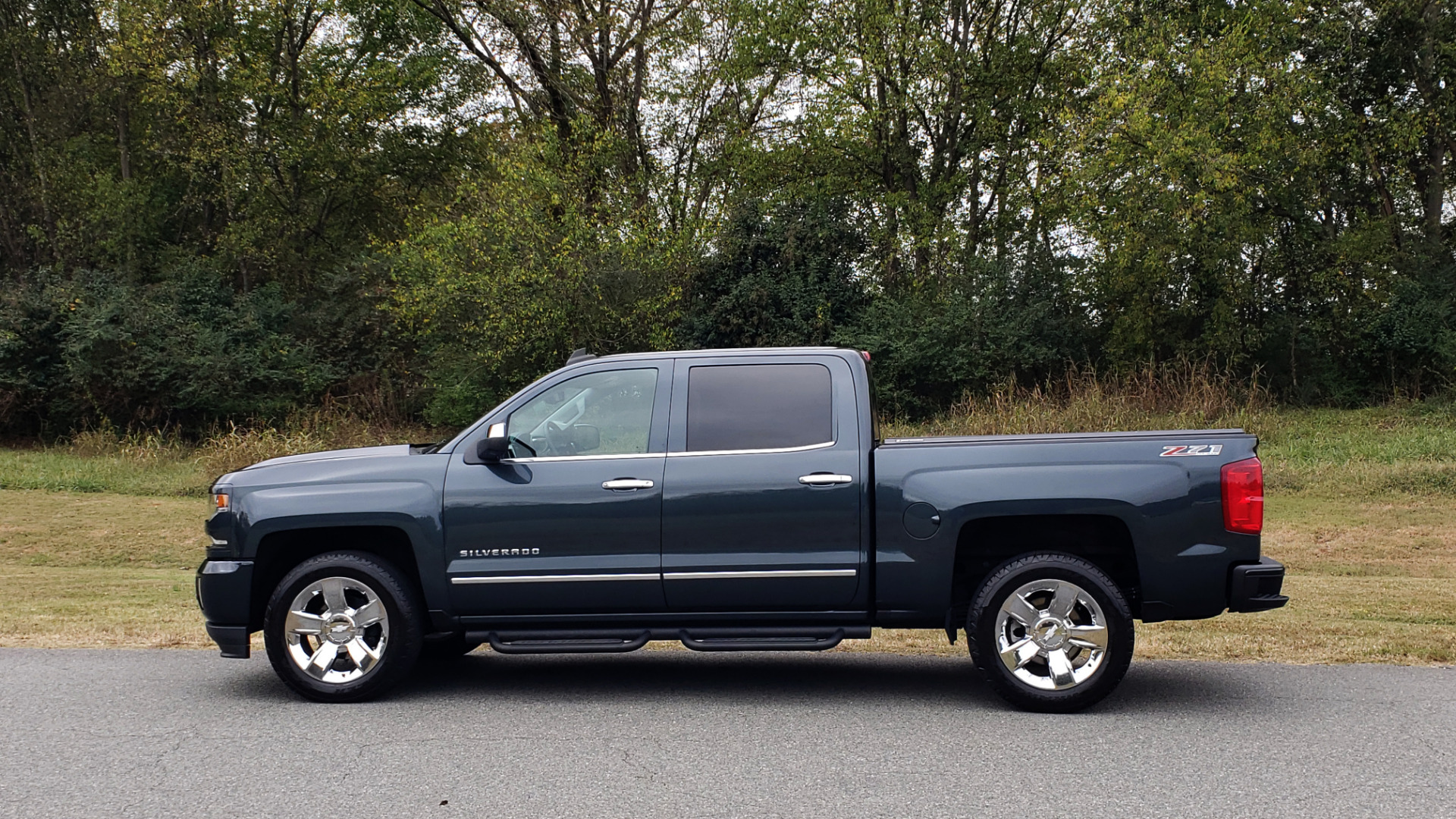 Used 2017 Chevrolet SILVERADO 1500 LTZ 4WD / NAV / BOSE / LEATHER / CAMERA / LOADED for sale Sold at Formula Imports in Charlotte NC 28227 2