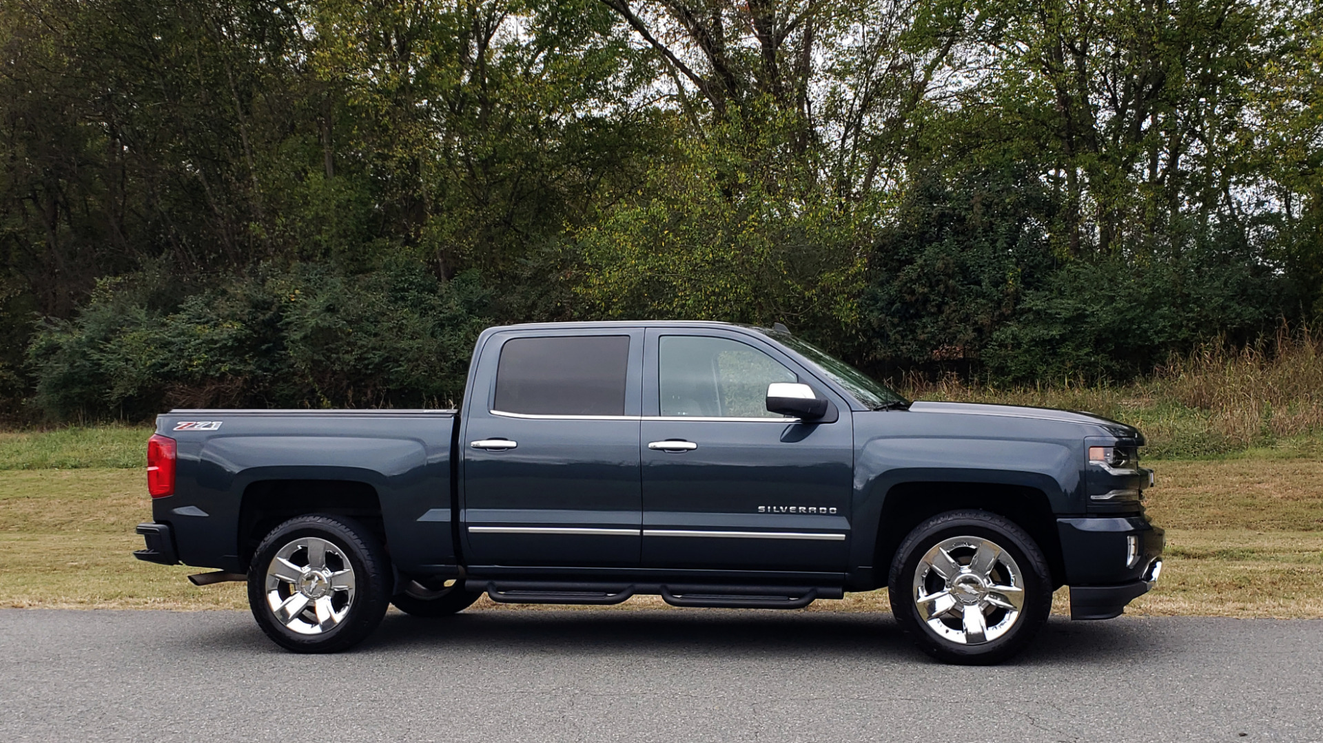 Used 2017 Chevrolet SILVERADO 1500 LTZ 4WD / NAV / BOSE / LEATHER / CAMERA / LOADED for sale Sold at Formula Imports in Charlotte NC 28227 26
