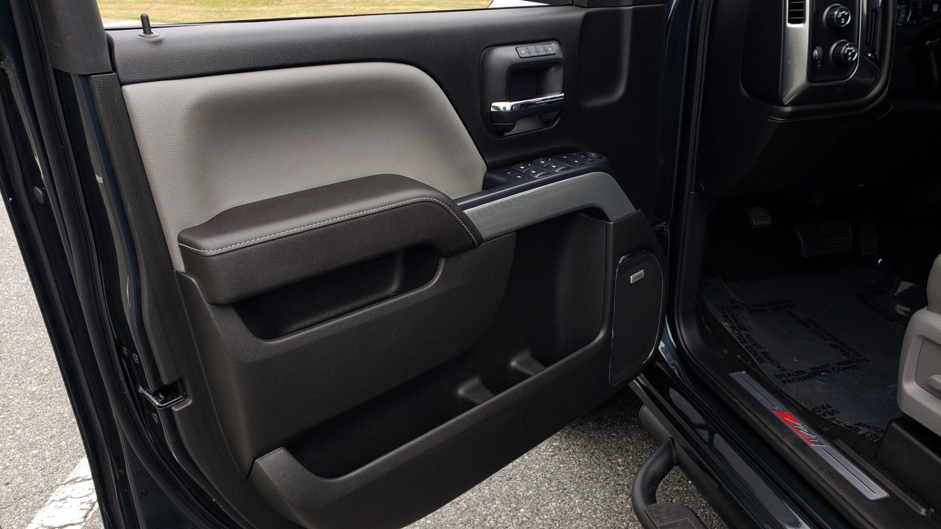 Used 2017 Chevrolet SILVERADO 1500 LTZ 4WD / NAV / BOSE / LEATHER / CAMERA / LOADED for sale Sold at Formula Imports in Charlotte NC 28227 46
