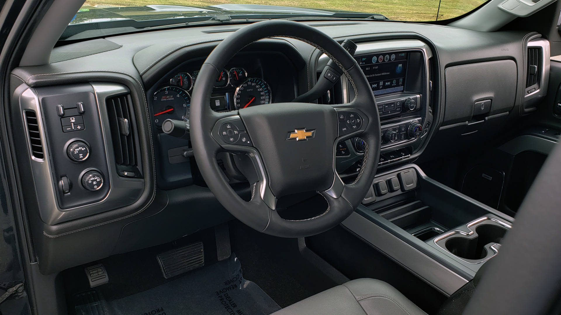 Used 2017 Chevrolet SILVERADO 1500 LTZ 4WD / NAV / BOSE / LEATHER / CAMERA / LOADED for sale Sold at Formula Imports in Charlotte NC 28227 51