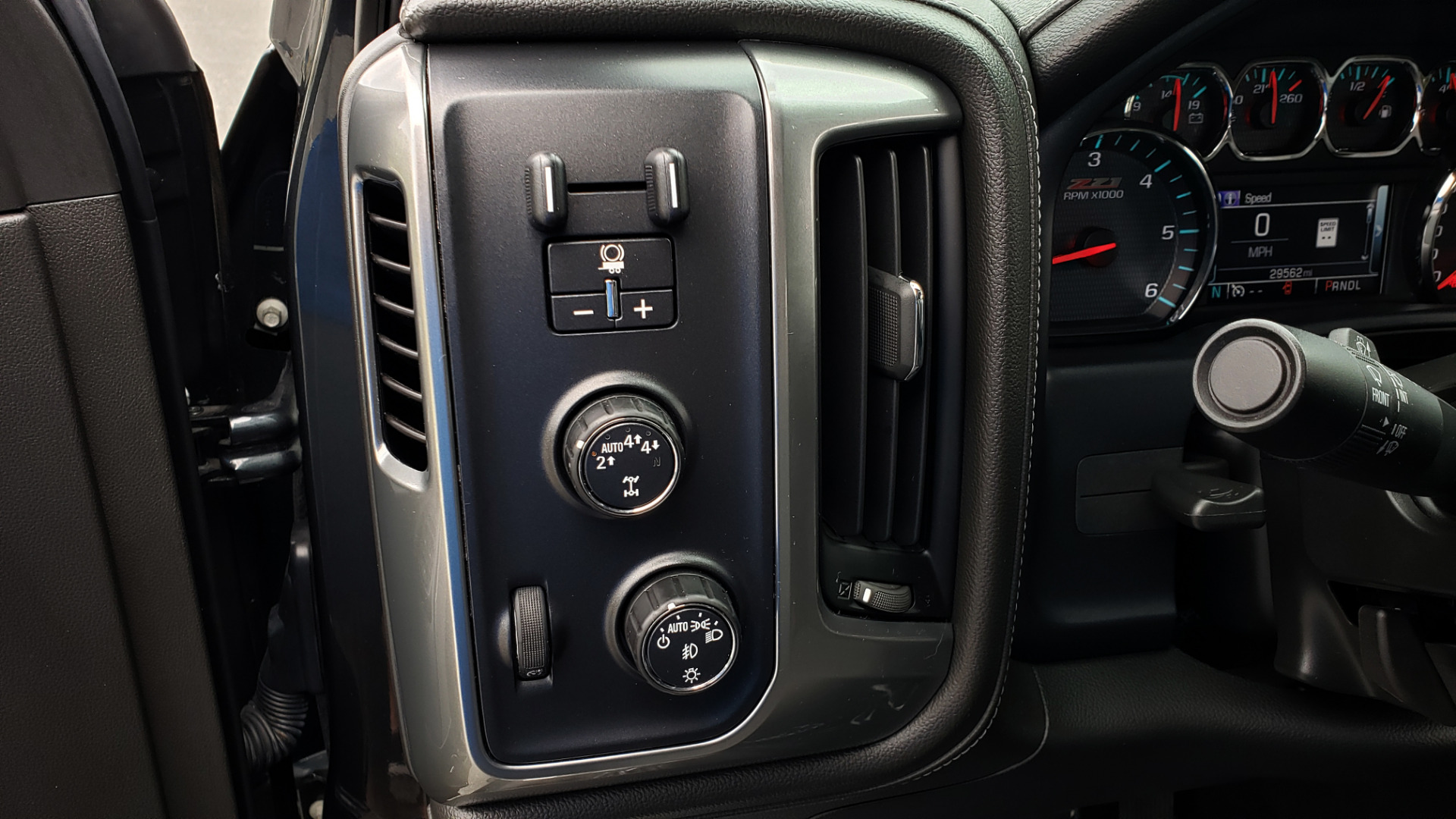 Used 2017 Chevrolet SILVERADO 1500 LTZ 4WD / NAV / BOSE / LEATHER / CAMERA / LOADED for sale Sold at Formula Imports in Charlotte NC 28227 52