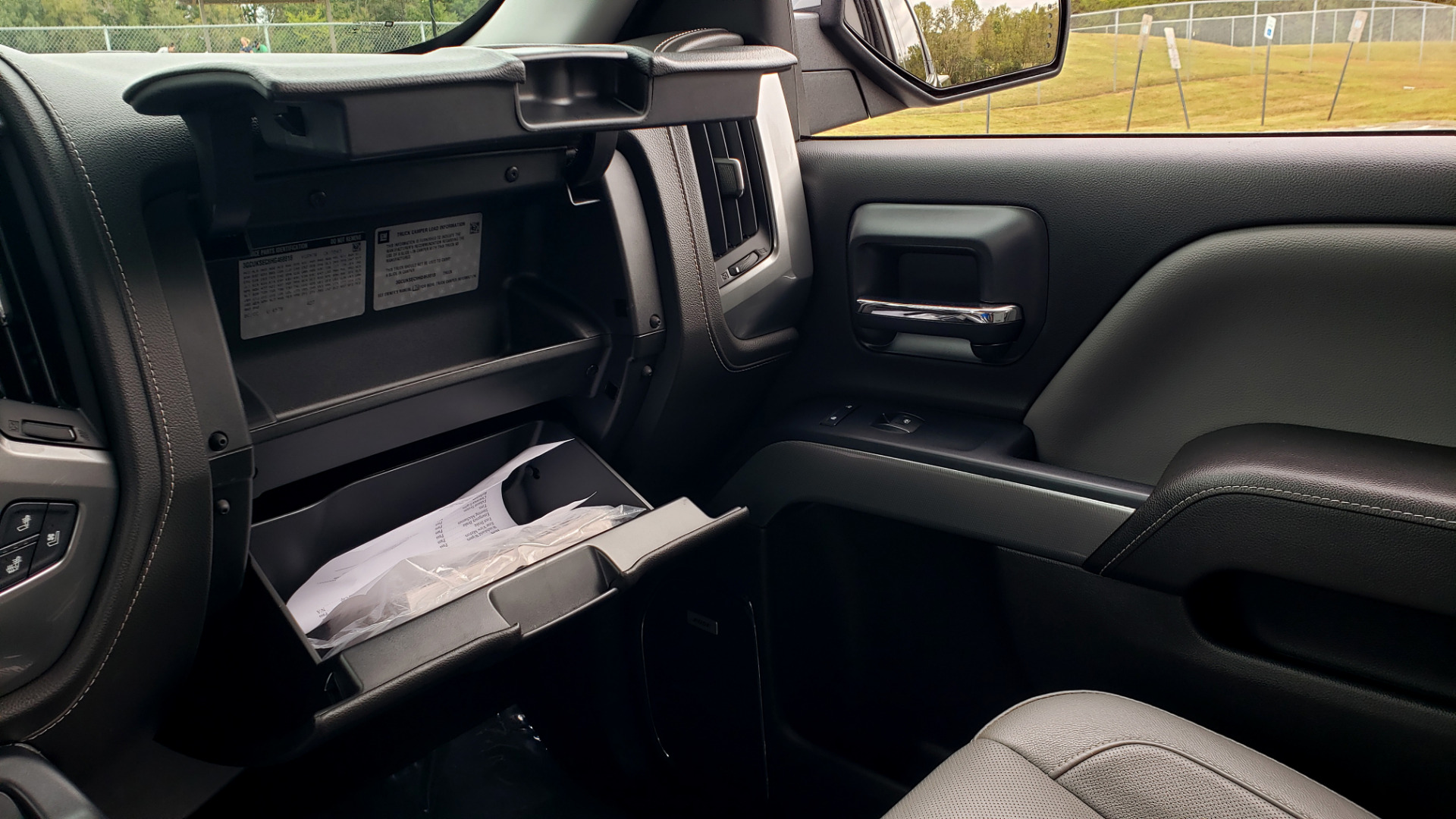 Used 2017 Chevrolet SILVERADO 1500 LTZ 4WD / NAV / BOSE / LEATHER / CAMERA / LOADED for sale Sold at Formula Imports in Charlotte NC 28227 60