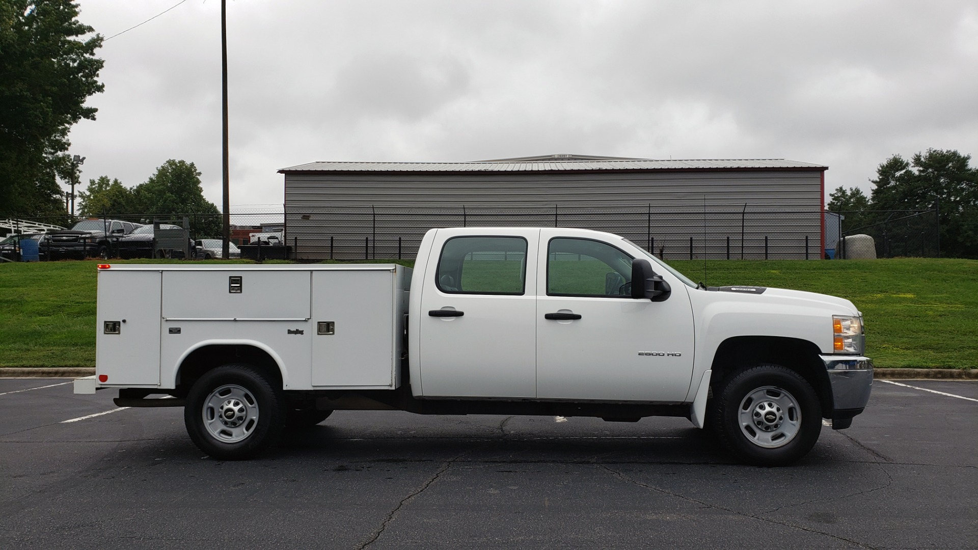 Used 2014 Chevrolet SILVERADO 2500HD WORK TRUCK 4WD / 6.0L V8 / AUTO / TOOL BOX / CLEAN for sale Sold at Formula Imports in Charlotte NC 28227 5