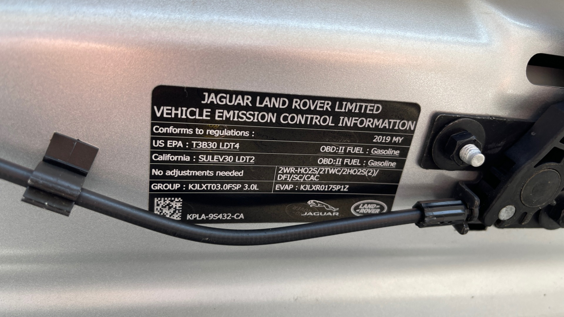Used 2019 Land Rover RANGE ROVER SPORT HSE DYNAMIC / 3.0L SC V6 / 8-SPD / APPLE / NAV / SUNROOF / REARVIEW for sale Sold at Formula Imports in Charlotte NC 28227 19