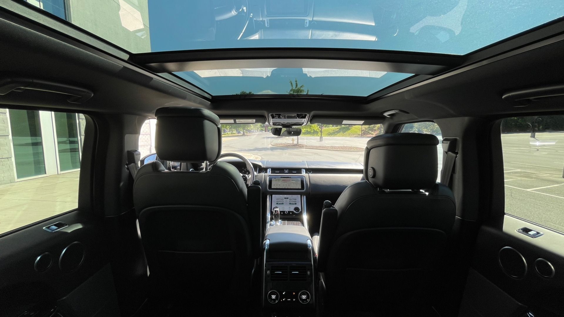 Used 2019 Land Rover RANGE ROVER SPORT HSE DYNAMIC / 3.0L SC V6 / 8-SPD / APPLE / NAV / SUNROOF / REARVIEW for sale Sold at Formula Imports in Charlotte NC 28227 74