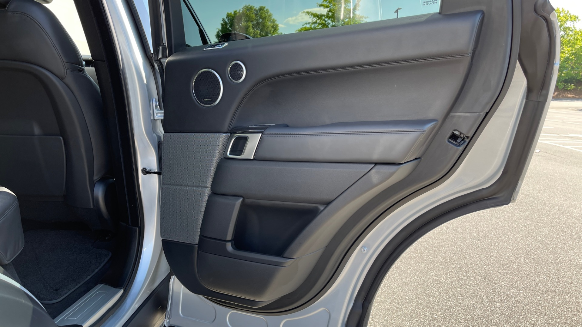 Used 2019 Land Rover RANGE ROVER SPORT HSE DYNAMIC / 3.0L SC V6 / 8-SPD / APPLE / NAV / SUNROOF / REARVIEW for sale Sold at Formula Imports in Charlotte NC 28227 80
